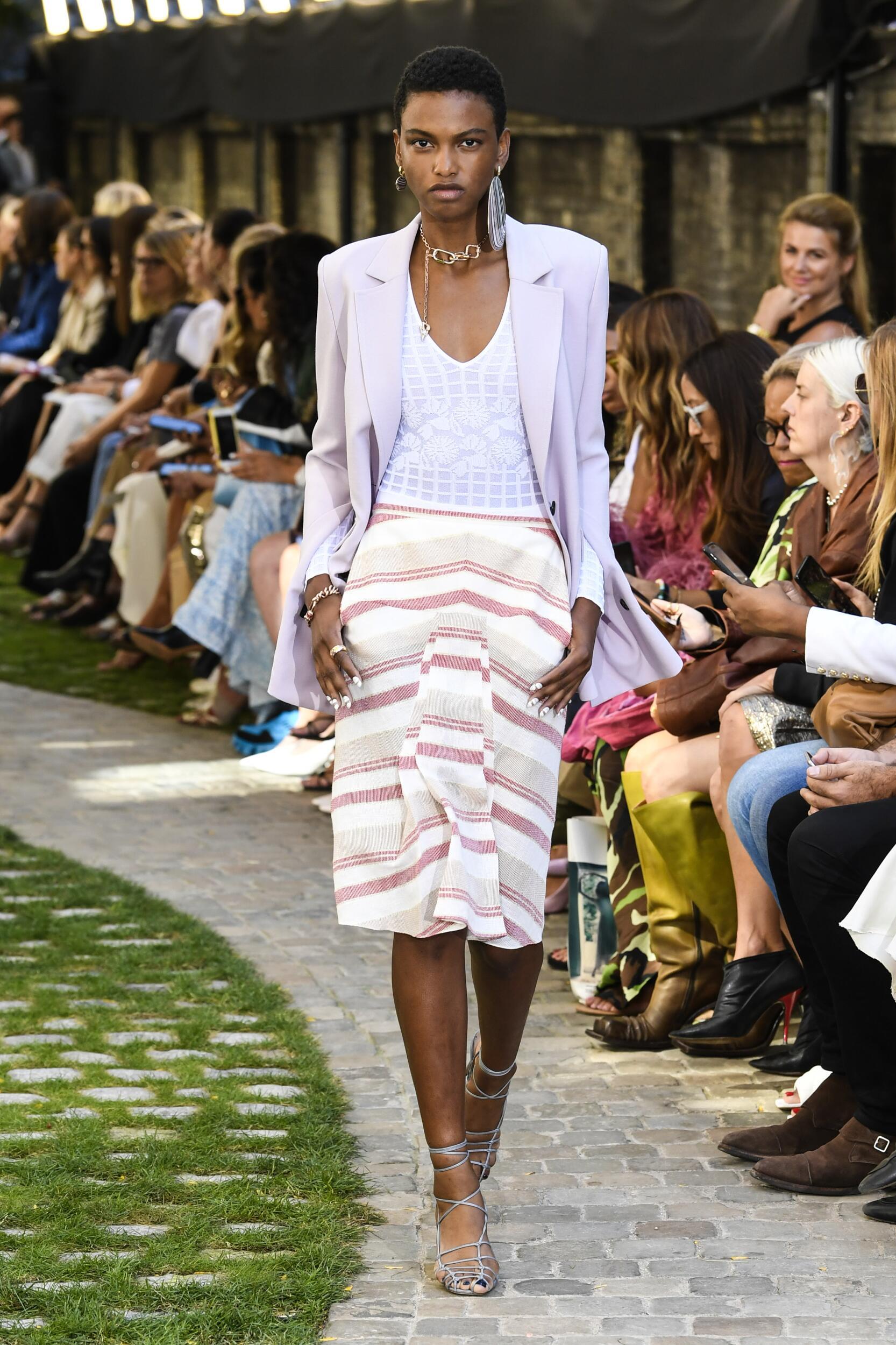 Roland Mouret Fashion Show SS 2020
