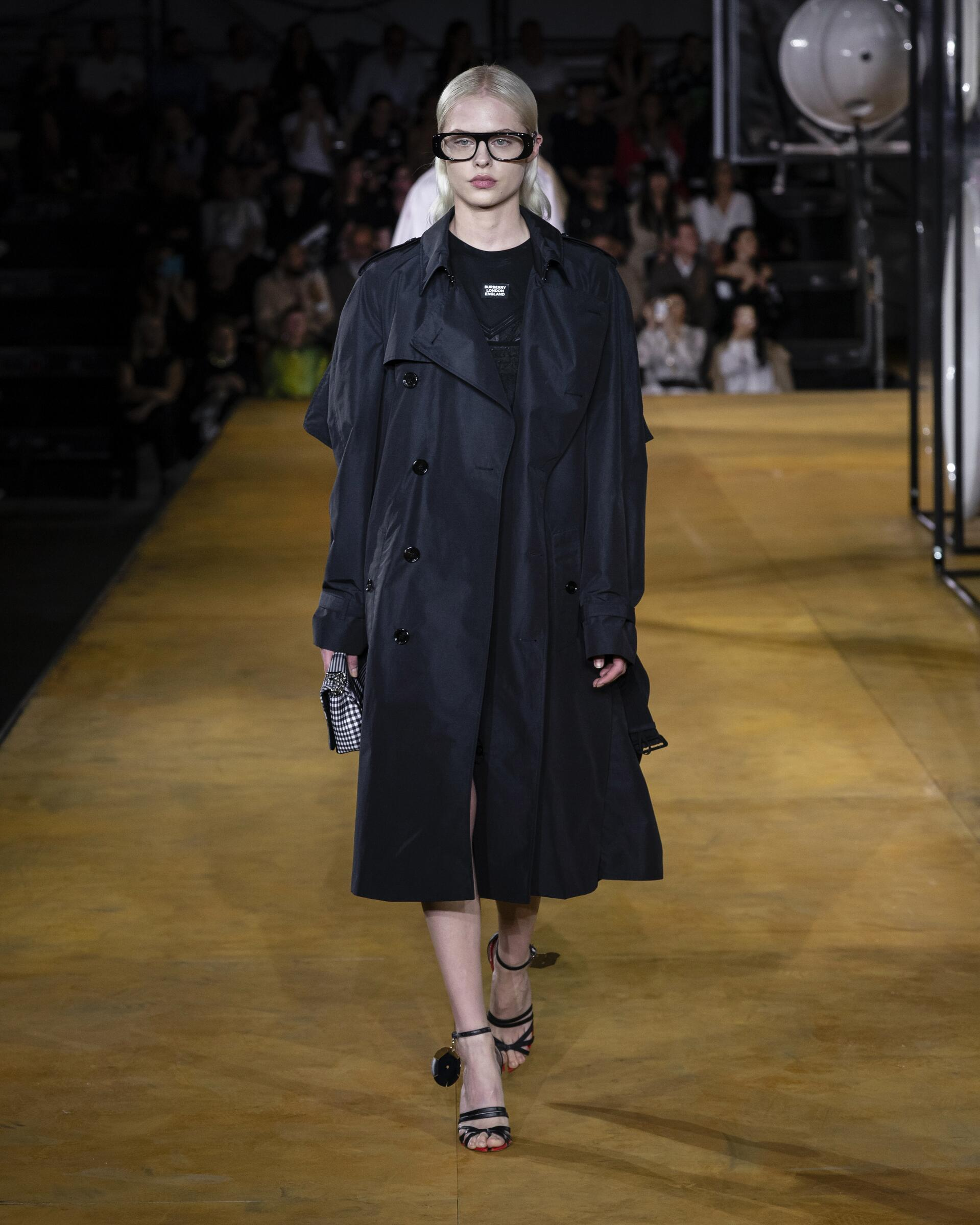 Runway Fashion 2020 Women Style Burberry