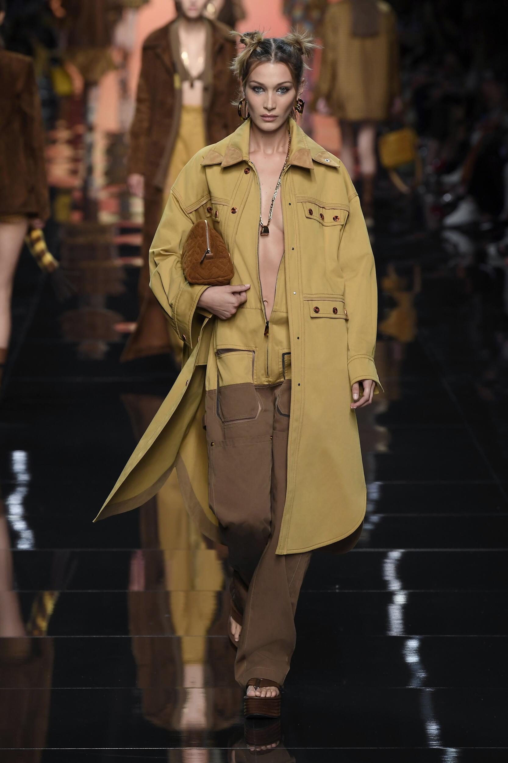 Runway Fendi Spring Summer 2020 Women's Collection Milan Fashion Week