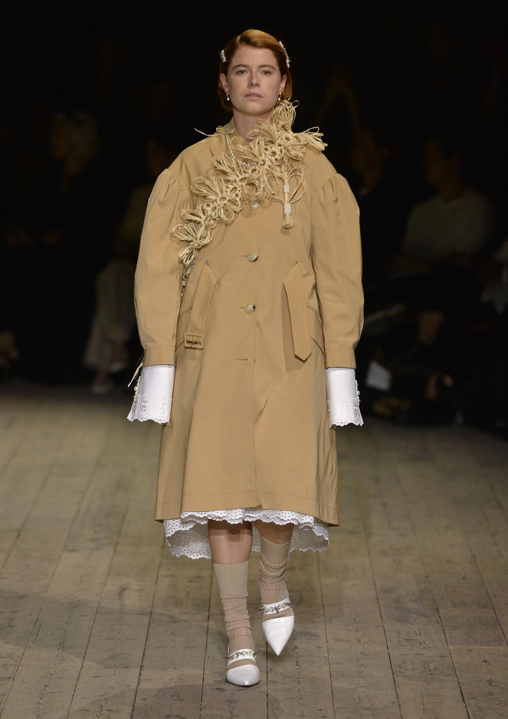 Runway Simone Rocha Spring Summer 2020 Women's Collection London Fashion Week