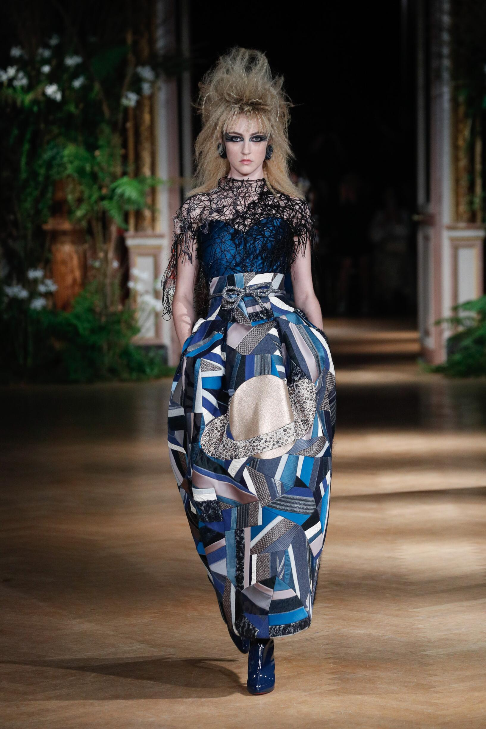 Runway Viktor & Rolf Haute Couture Fall Winter 2019 Collection Paris