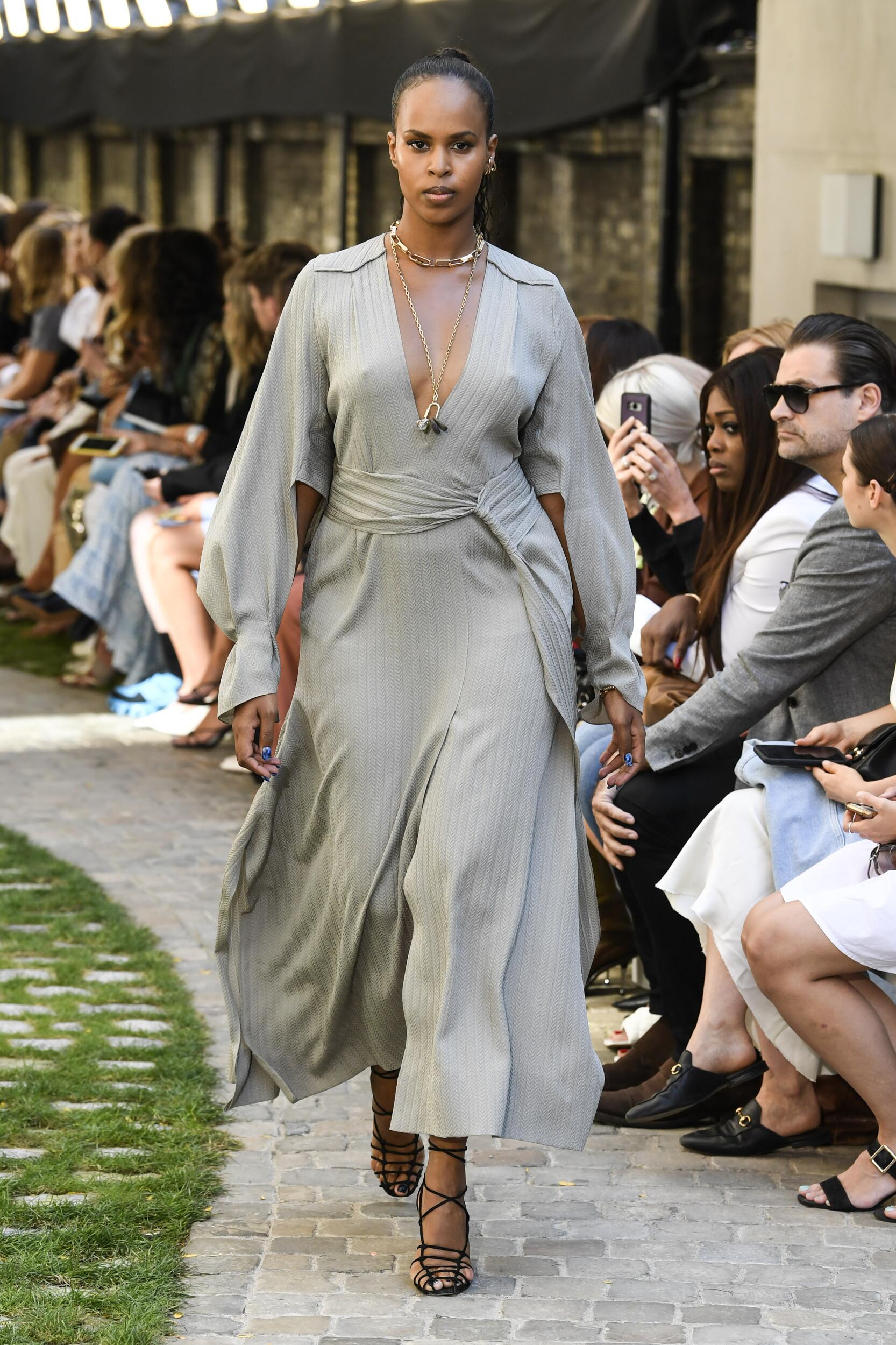 Spring 2020 Fashion Trends Roland Mouret