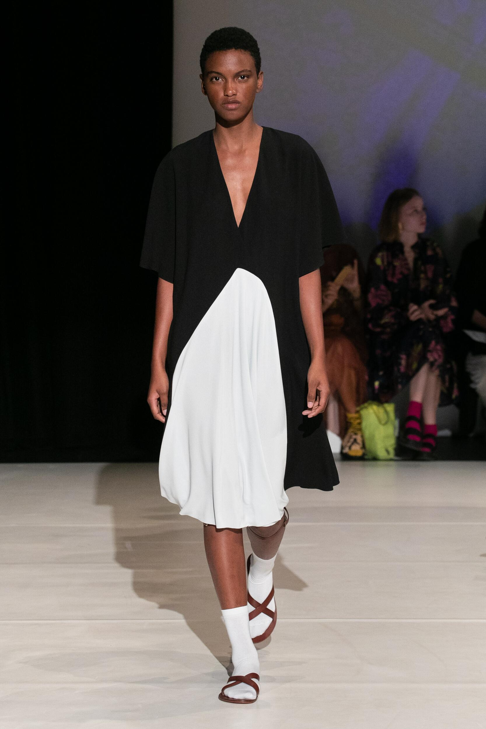 Spring Summer 2020 Woman London Chalayan Collection