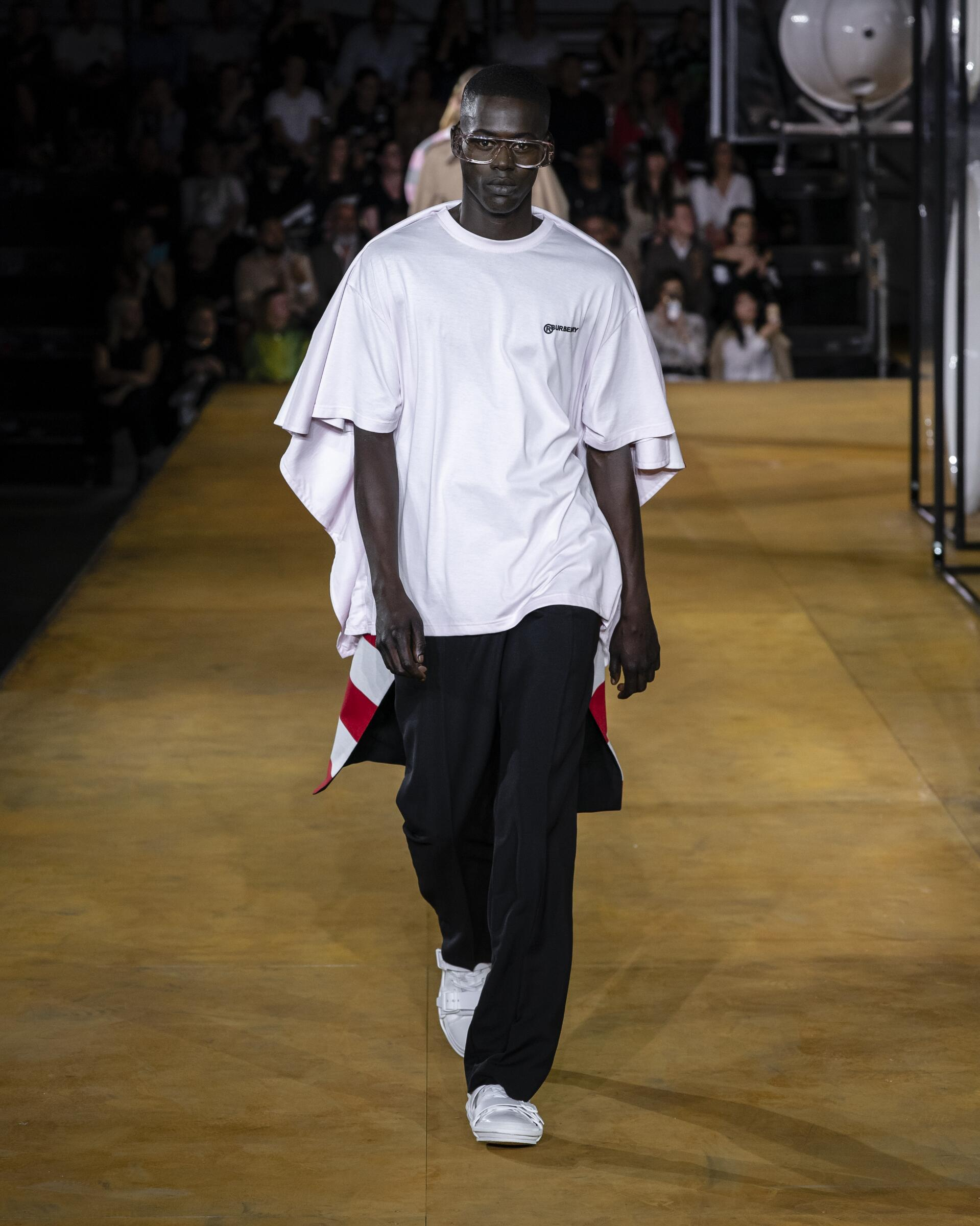 Trends Menswear Fashion 2020 Catwalk Burberry