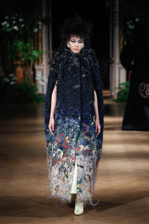 Viktor & Rolf Haute Couture Catwalk