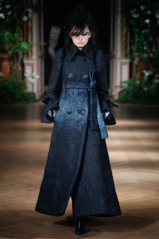 Viktor & Rolf Haute Couture Fashion Show FW 2019-2020