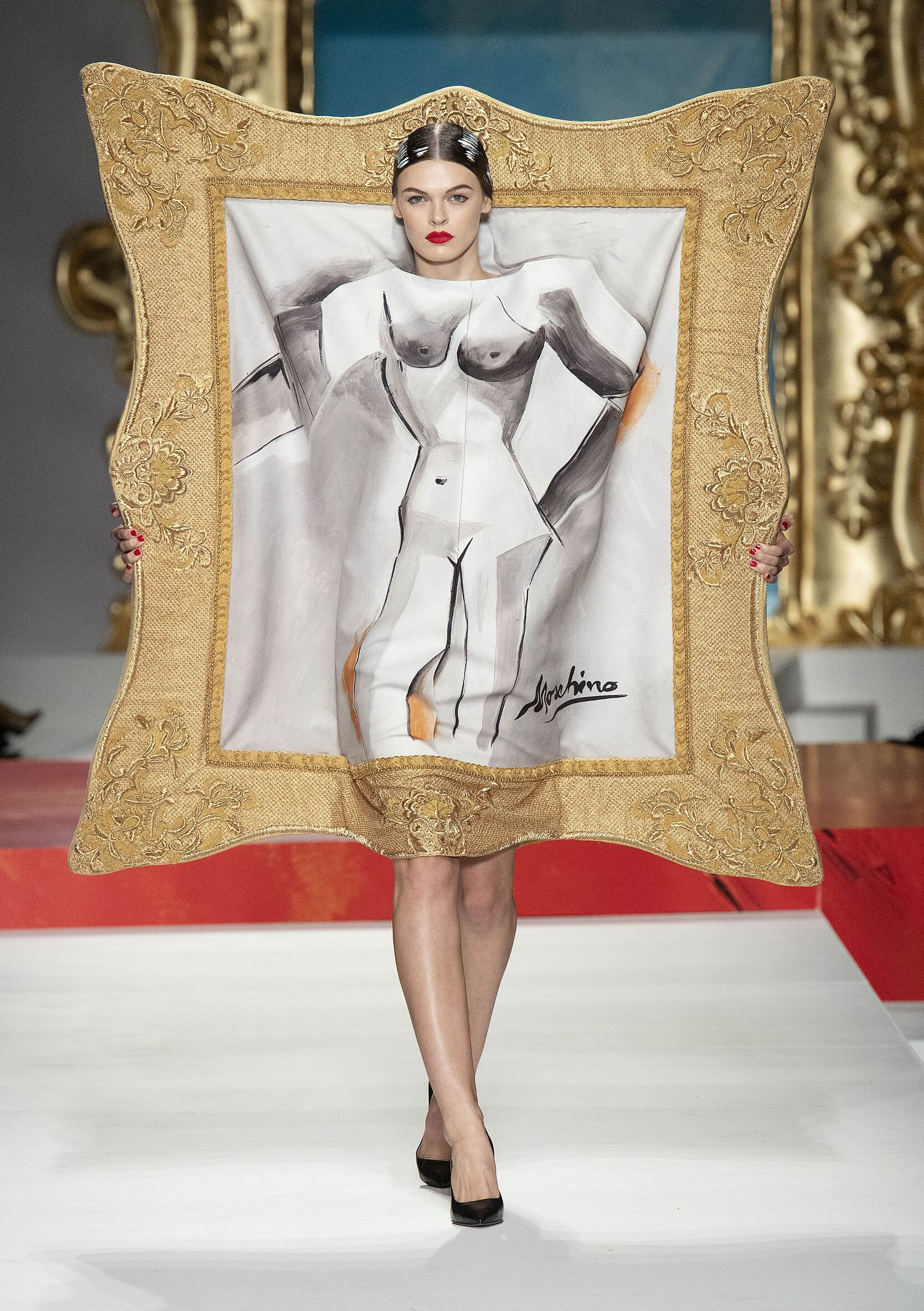 Womenswear SS Moschino 2020