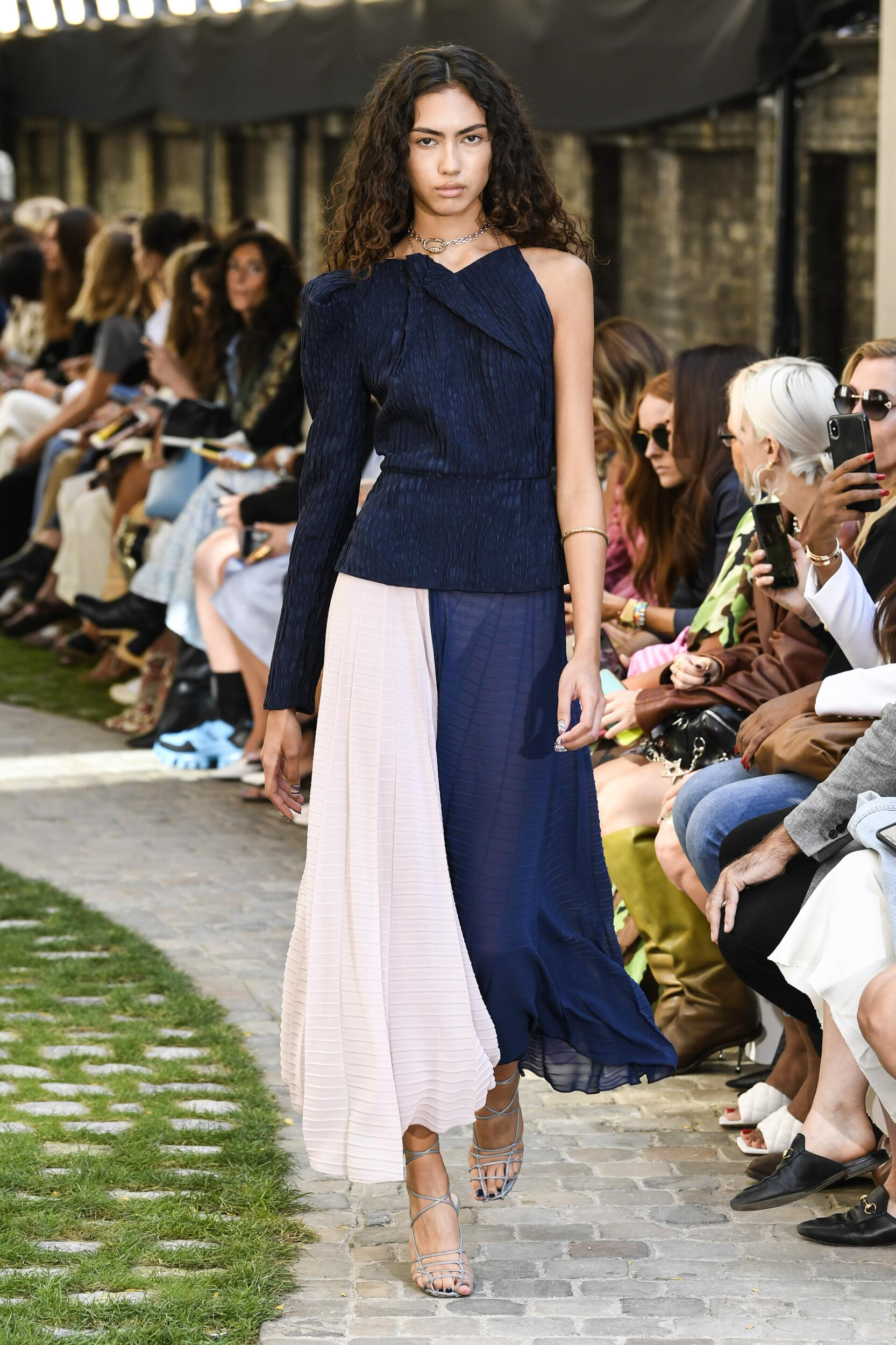 Womenswear SS Roland Mouret 2020