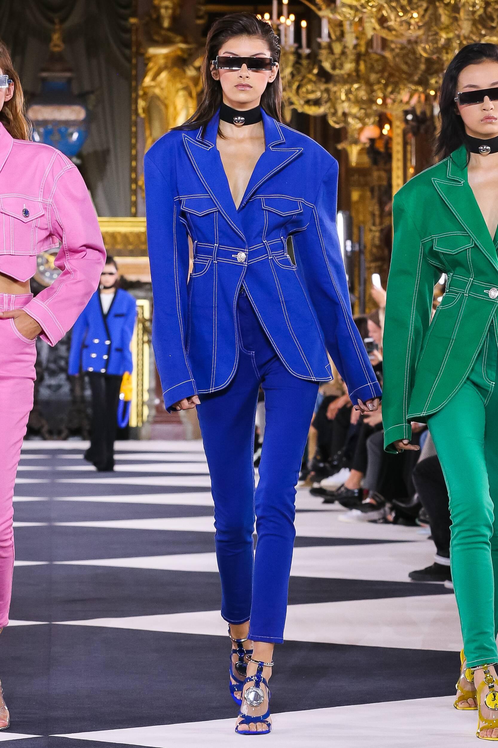 2020 Catwalk Balmain Fashion Show Summer
