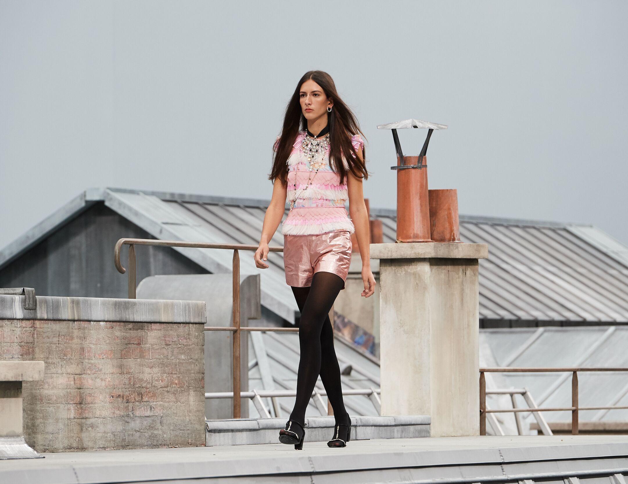 2020 Runway Woman Chanel Summer