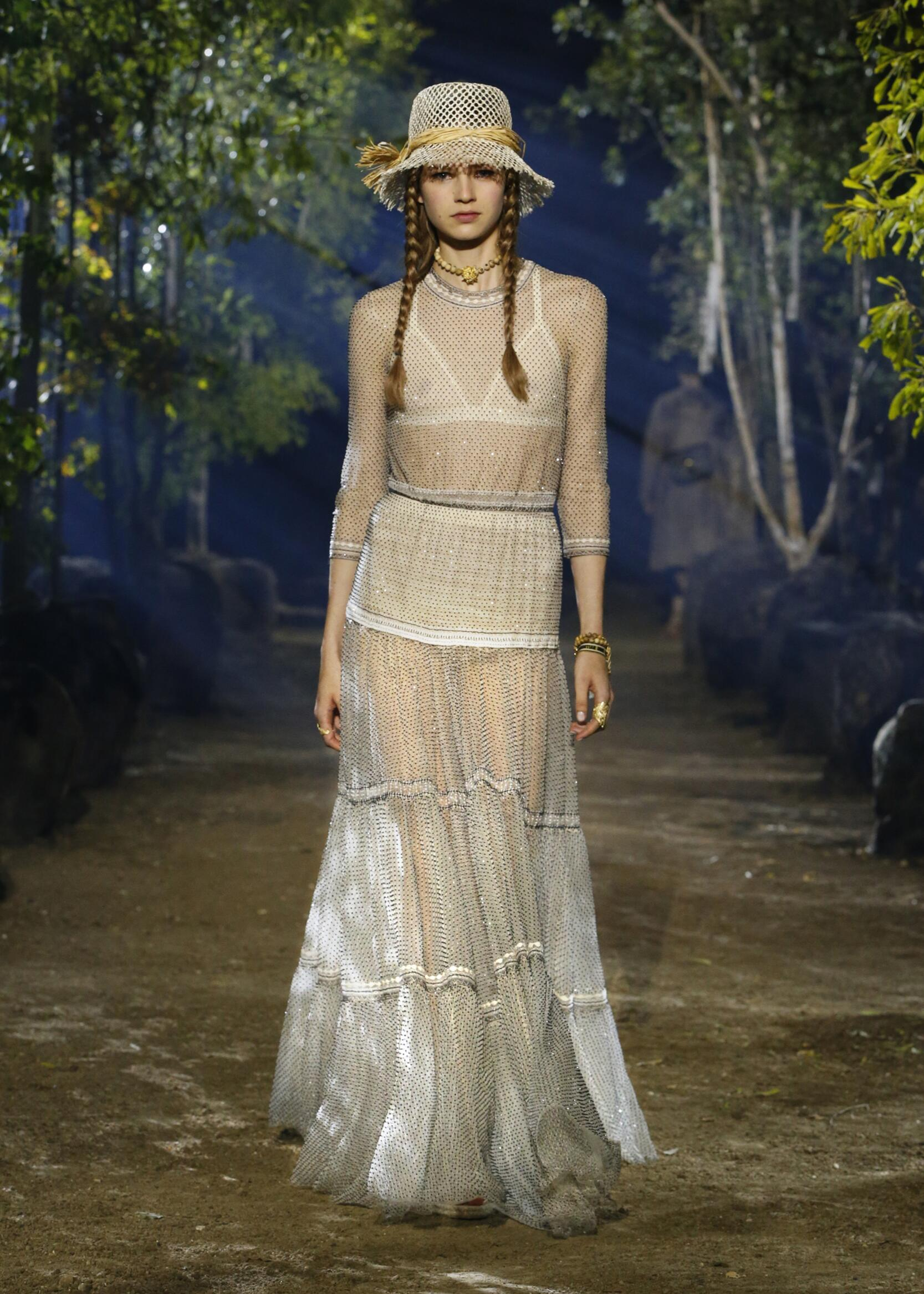 2020 Runway Woman Dior Summer