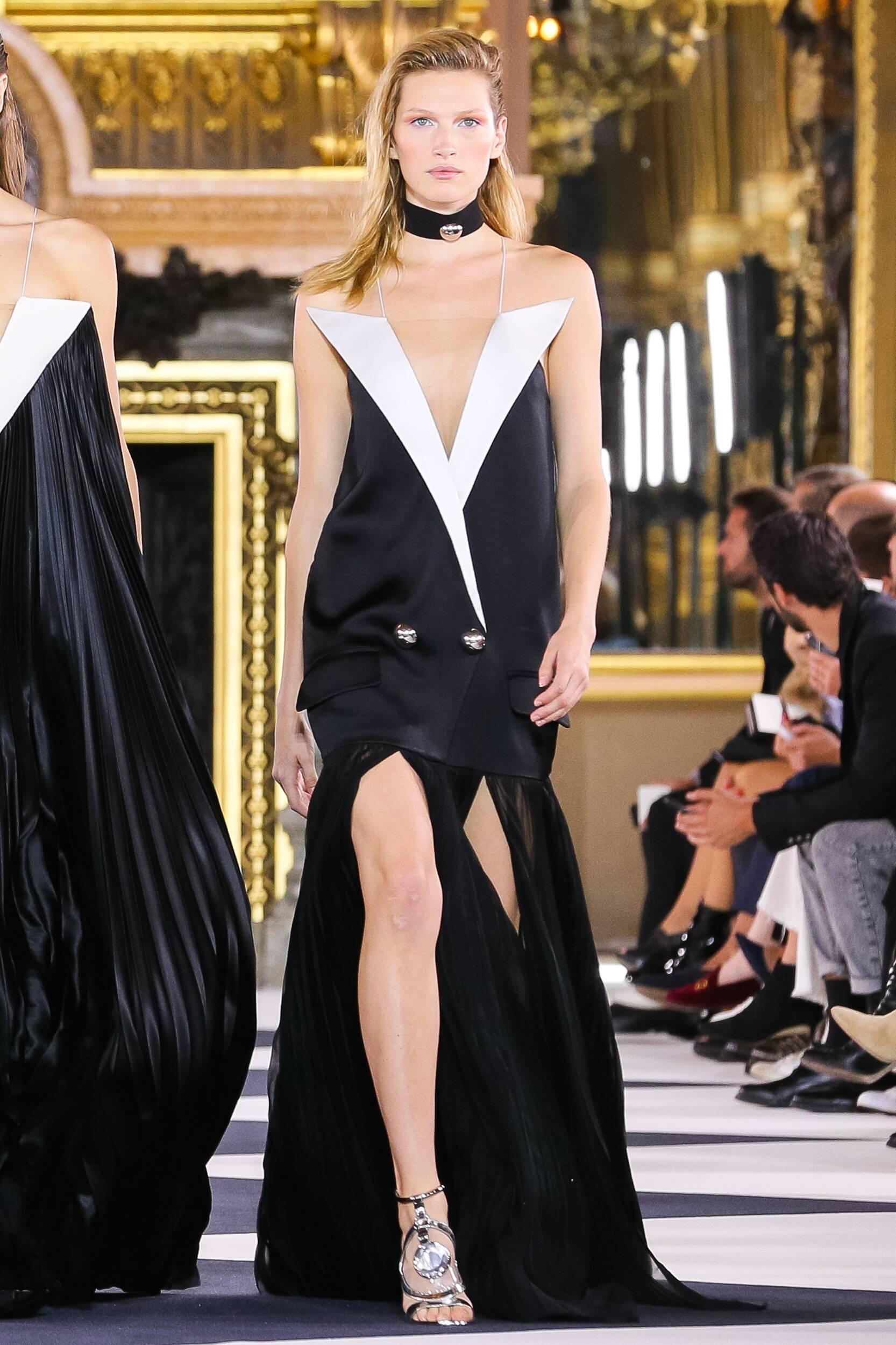 Balmain Womenswear Collection Trends SS Paris