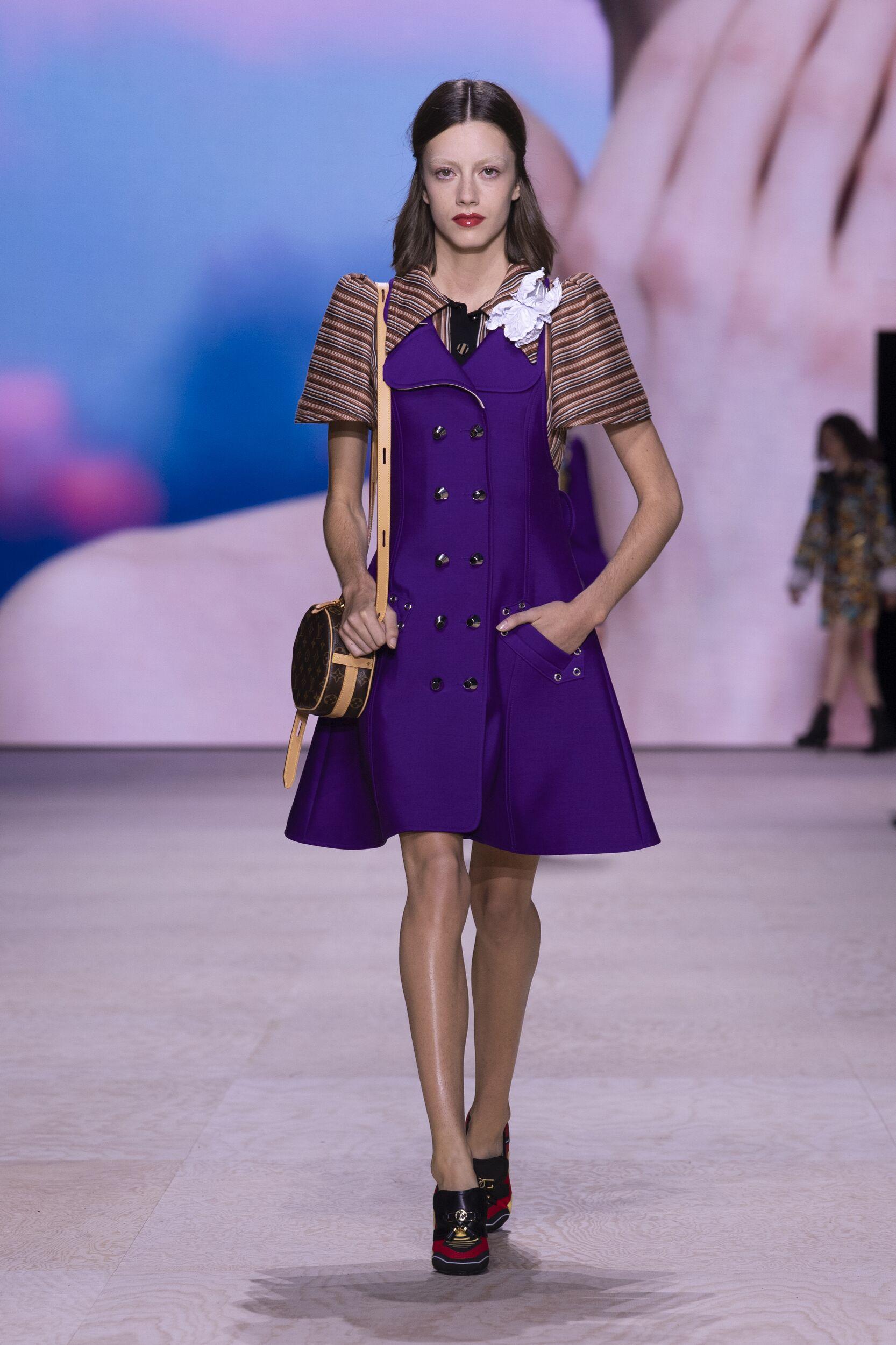 Catwalk Louis Vuitton Woman Fashion Show Summer 2020