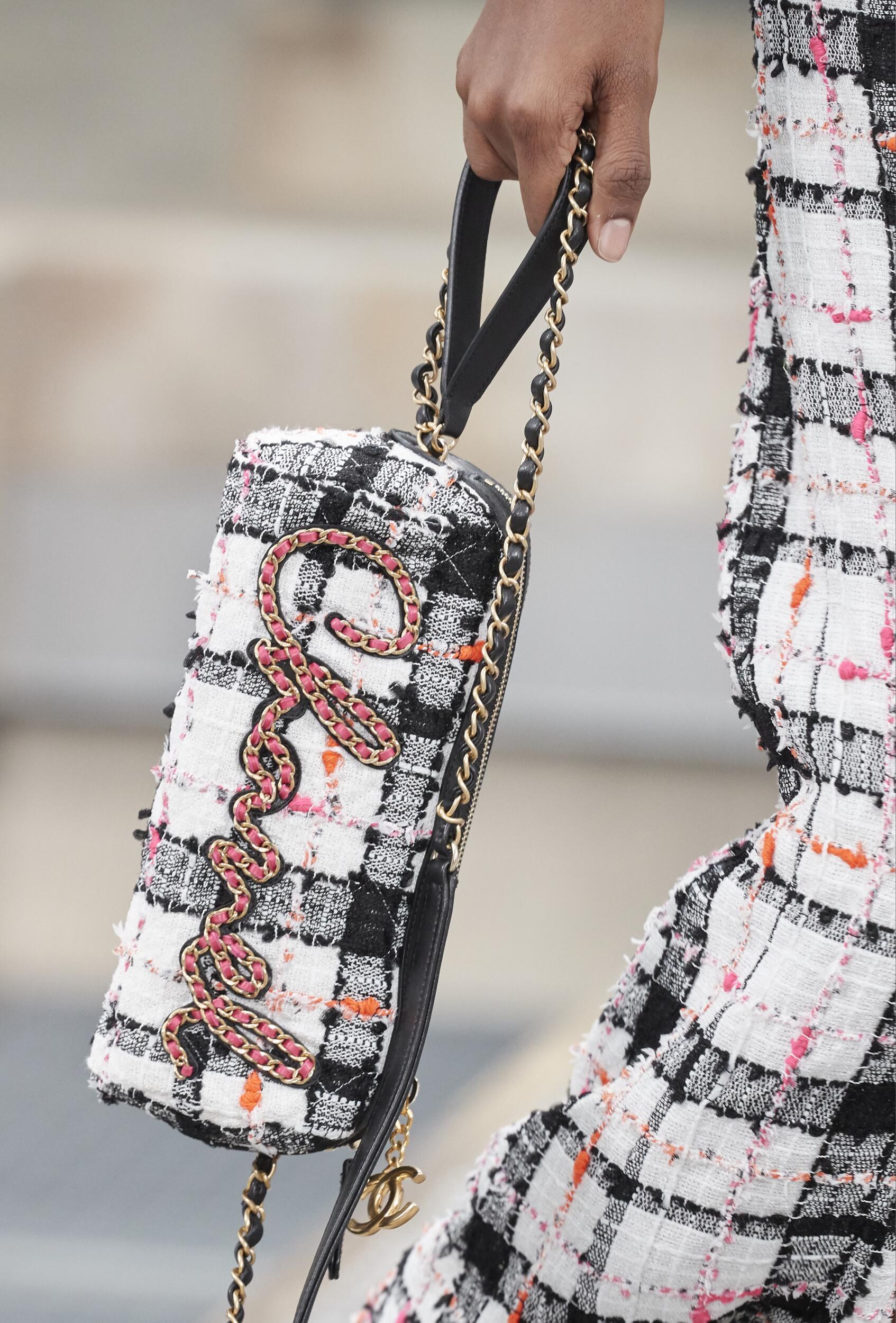 Chanel Womenswear Bag Trends