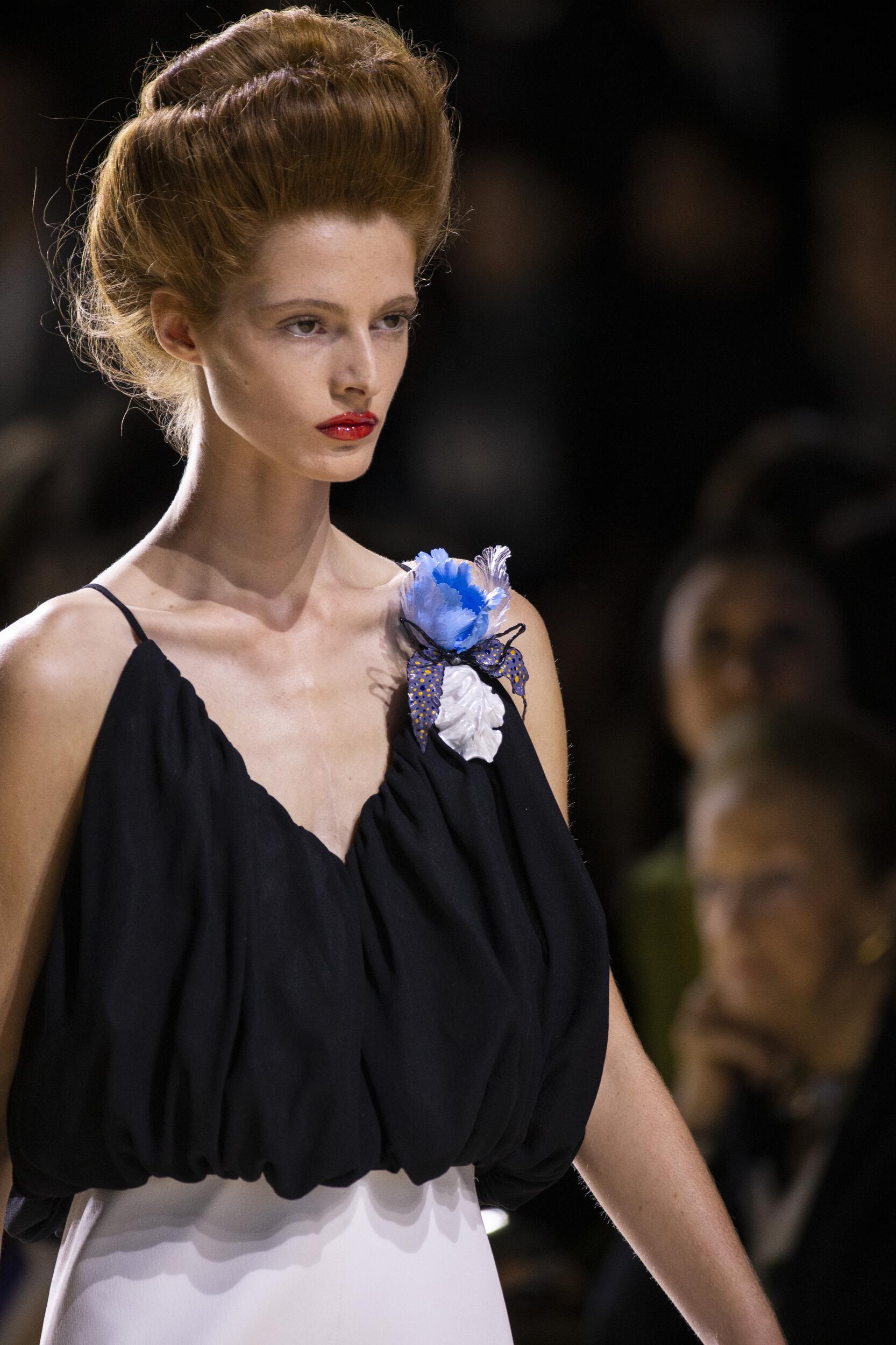 Detail Womenswear Spring Summer Louis Vuitton 2020