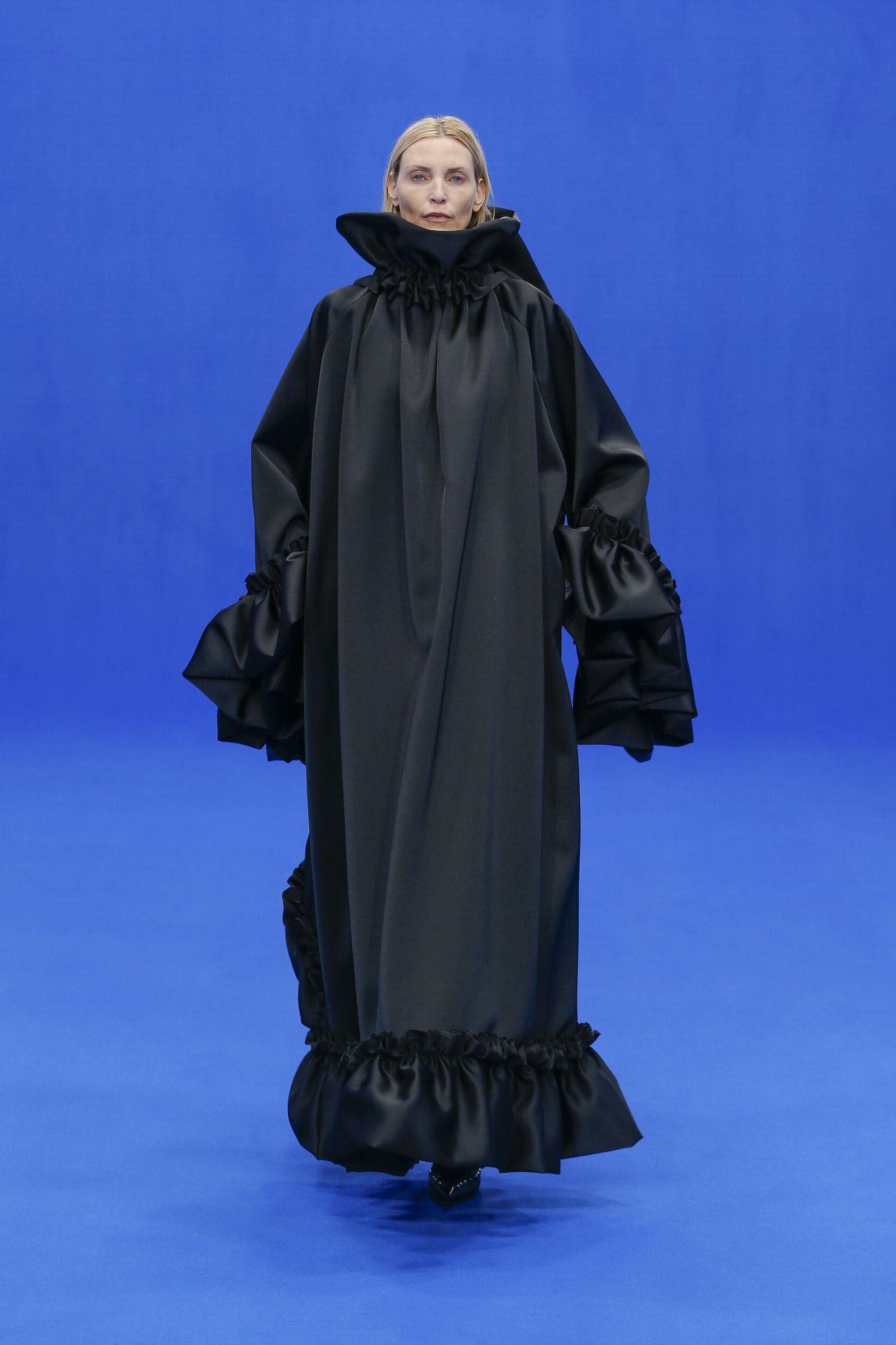 Fashion 2020 Catwalk Balenciaga Summer Woman Collection