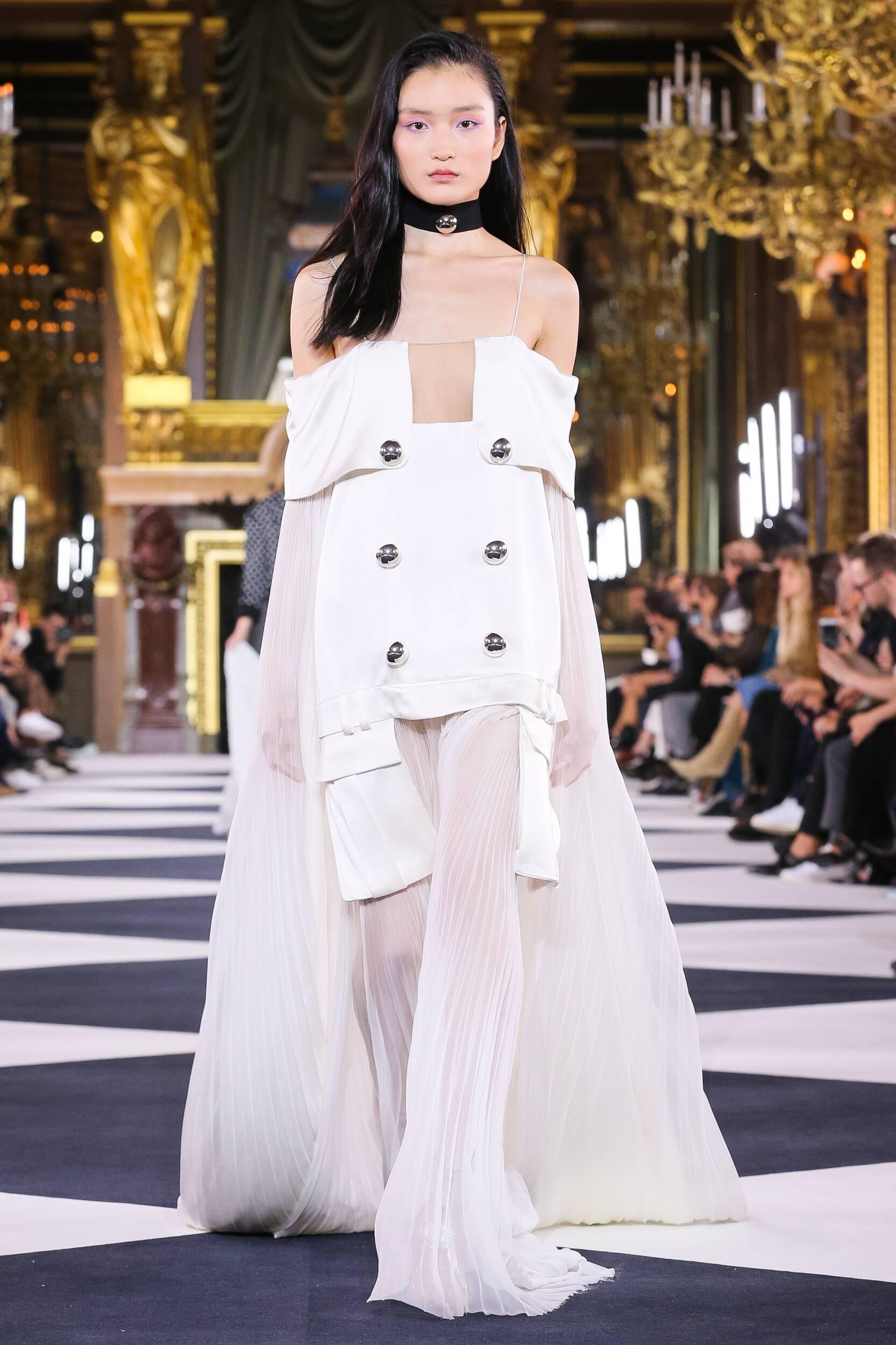 Fashion 2020 Catwalk Balmain Summer Woman Collection