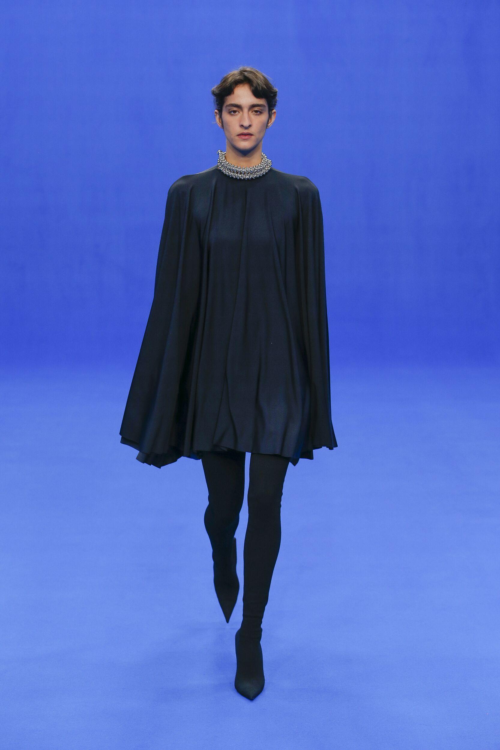 Fashion 2020 Runway Balenciaga Summer Woman
