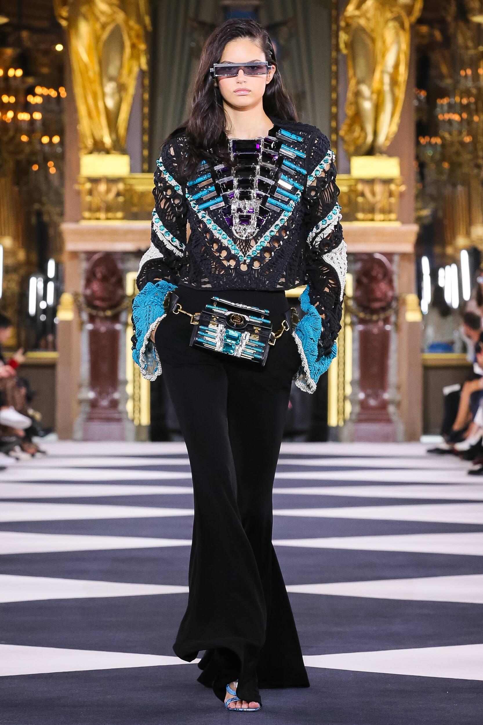 Fashion 2020 Runway Balmain Summer Woman