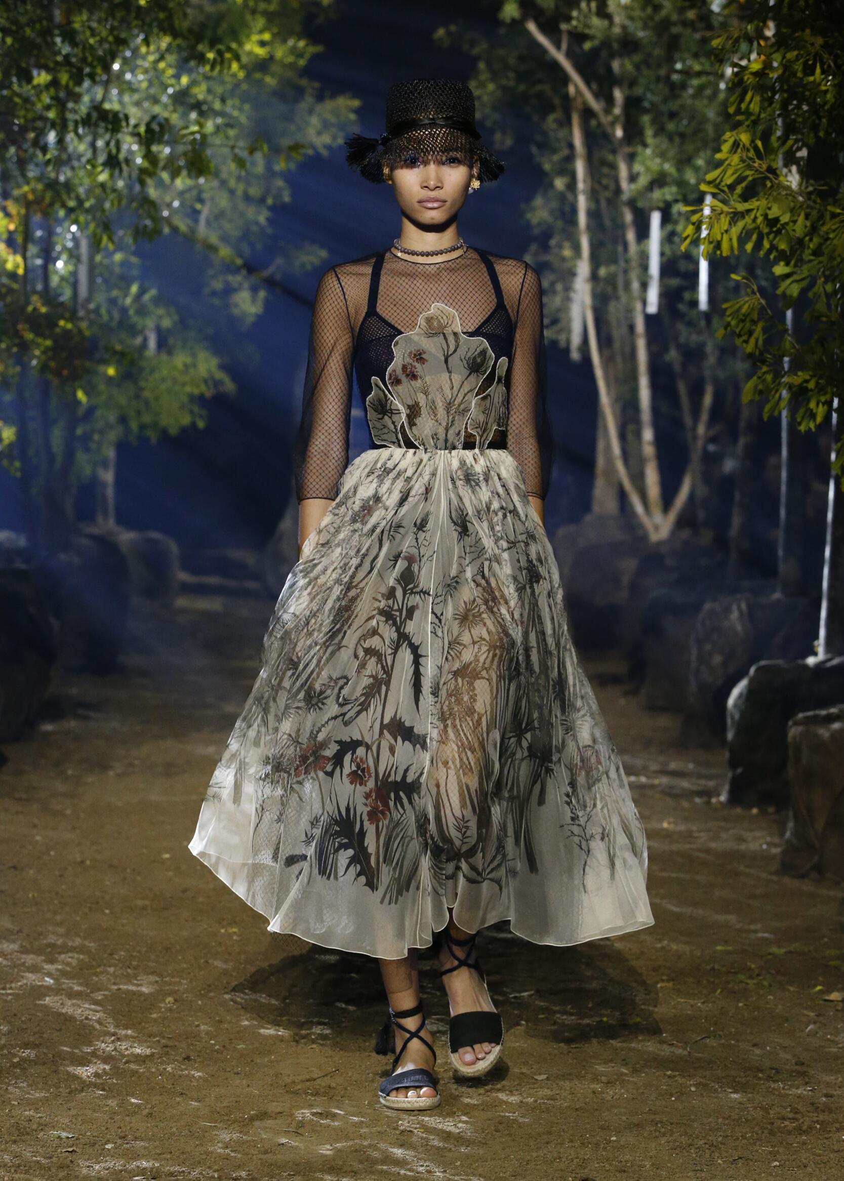 Fashion 2020 Women Style Dior