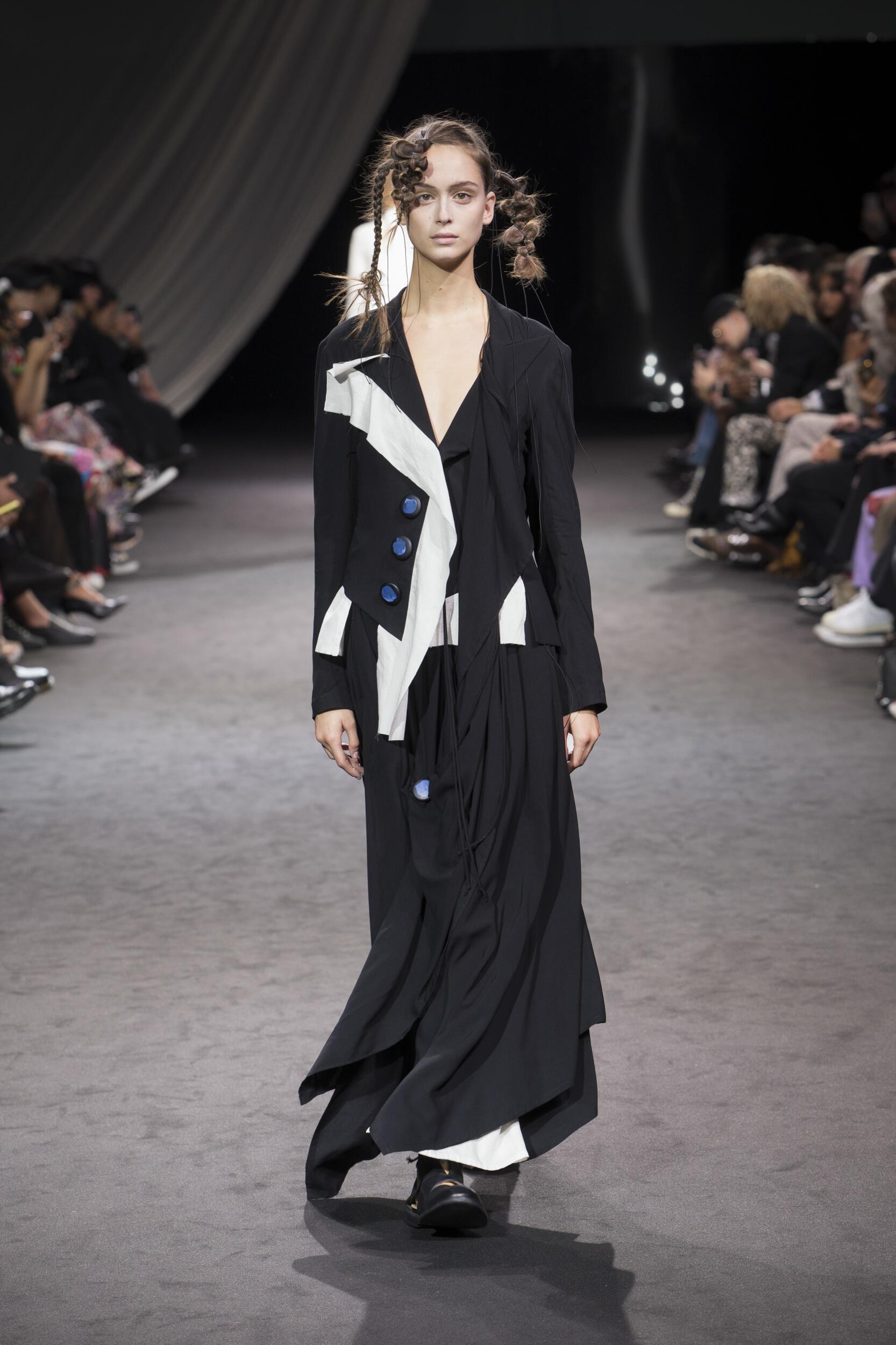 Fashion Model Woman Yohji Yamamoto Catwalk