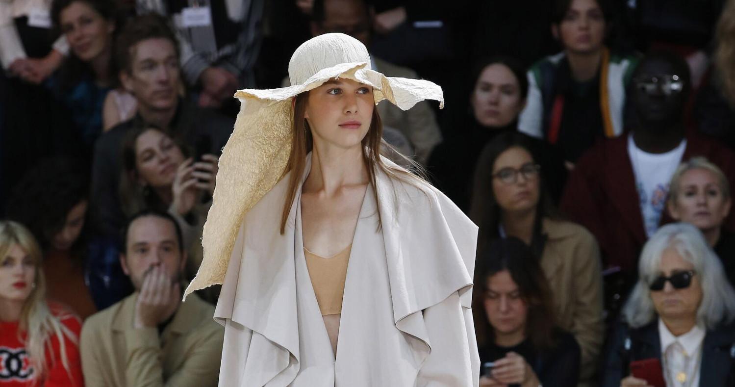 Issey Miyake Fashion Show SS 2020 Paris