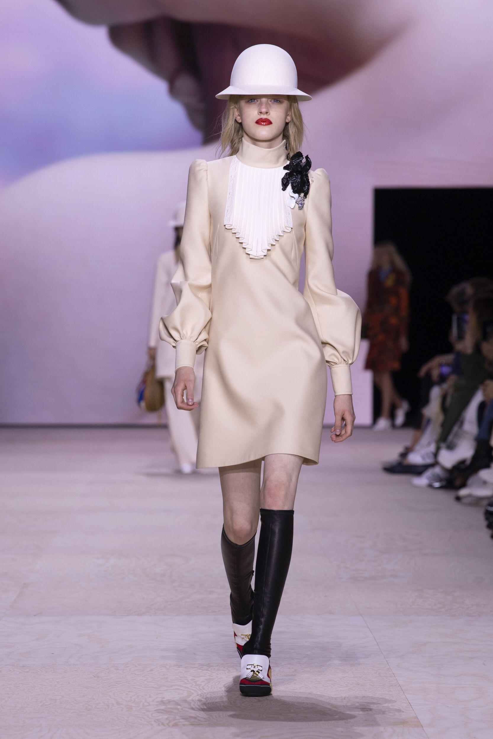 Louis Vuitton Woman Style