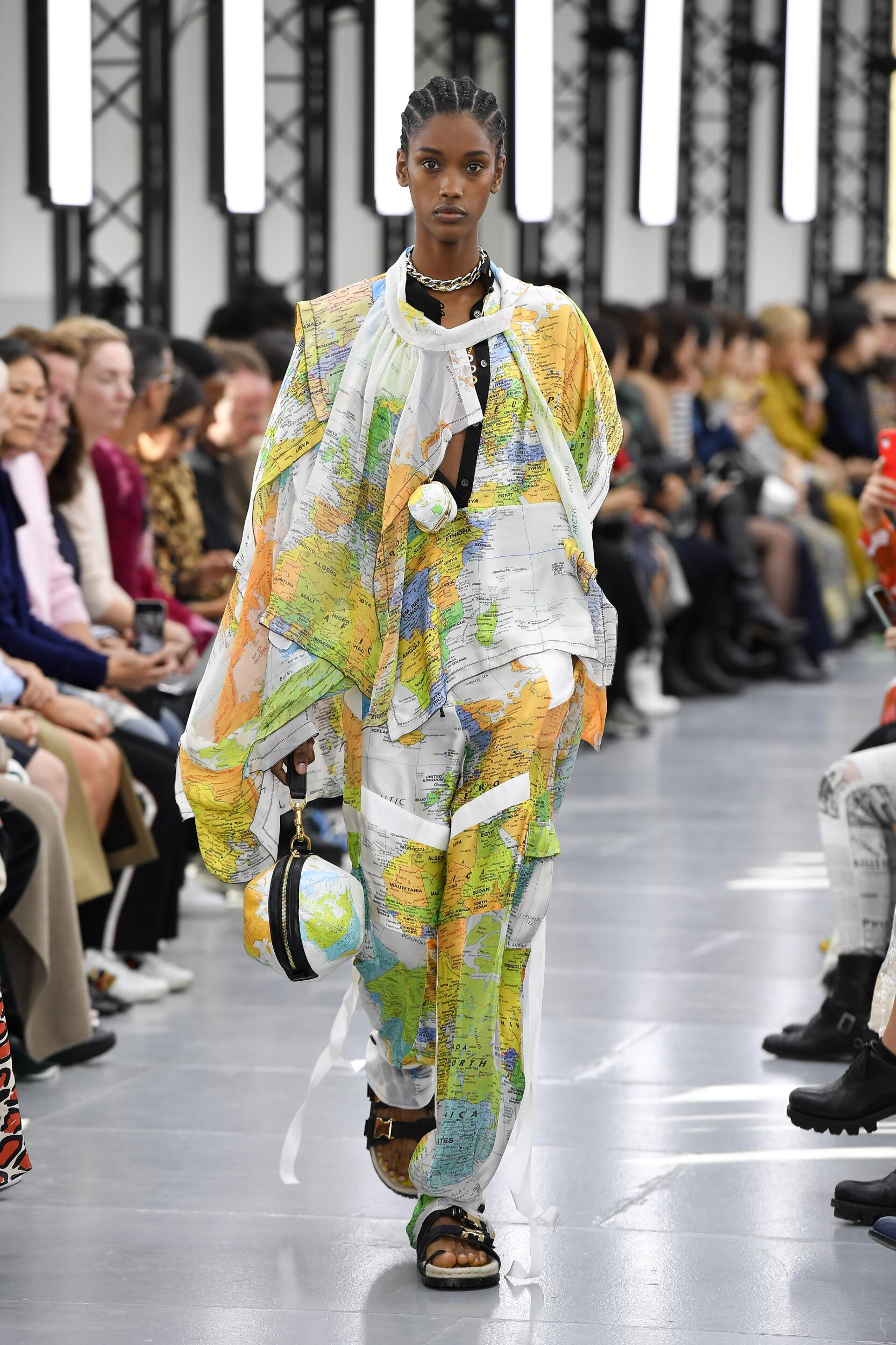 Model Fashion Show Sacai