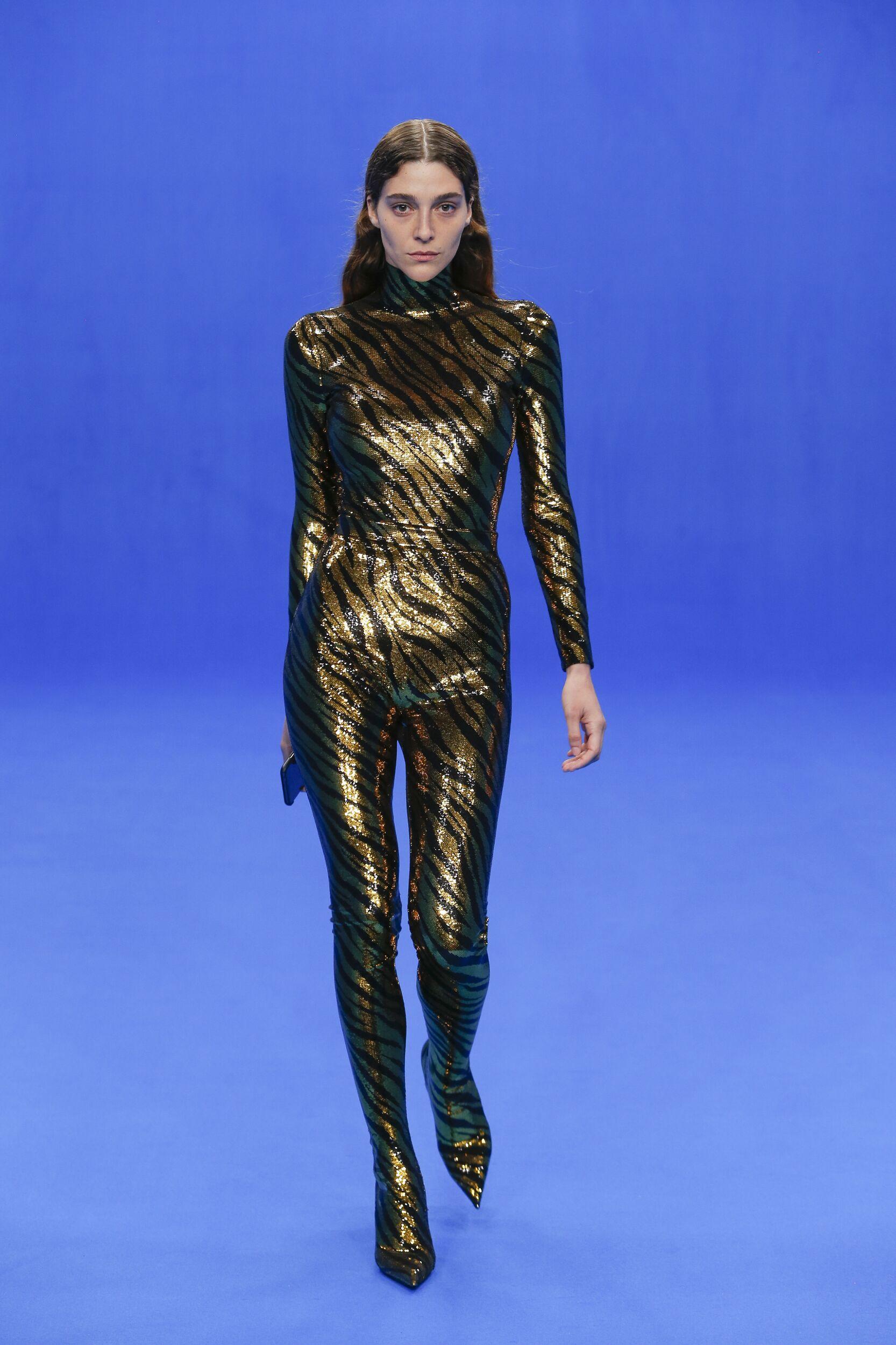 Model Fashion Week 2020 Catwalk Balenciaga