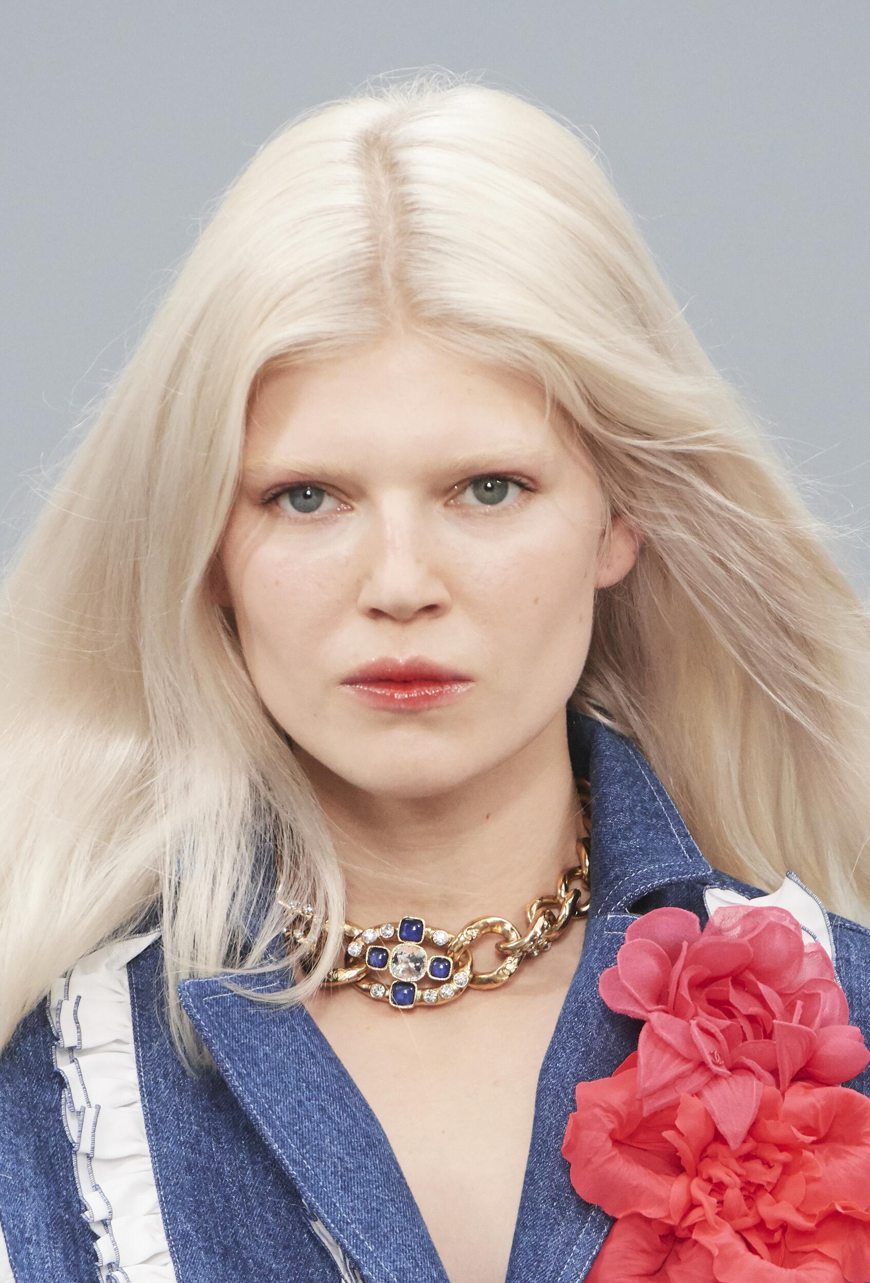 Model Portrait Chanel