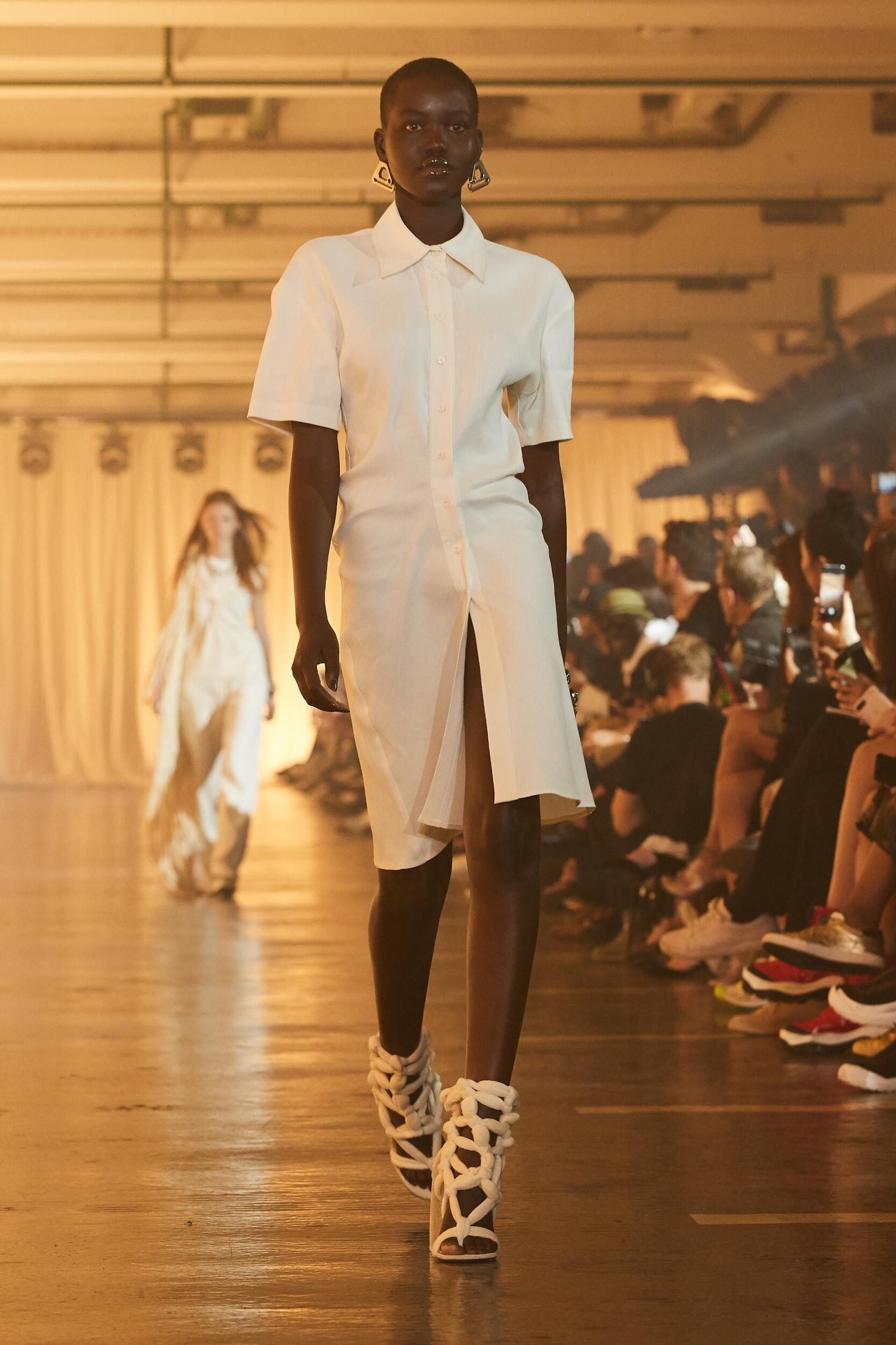 Off White c/o Virgil Abloh Fashion Show SS 2020