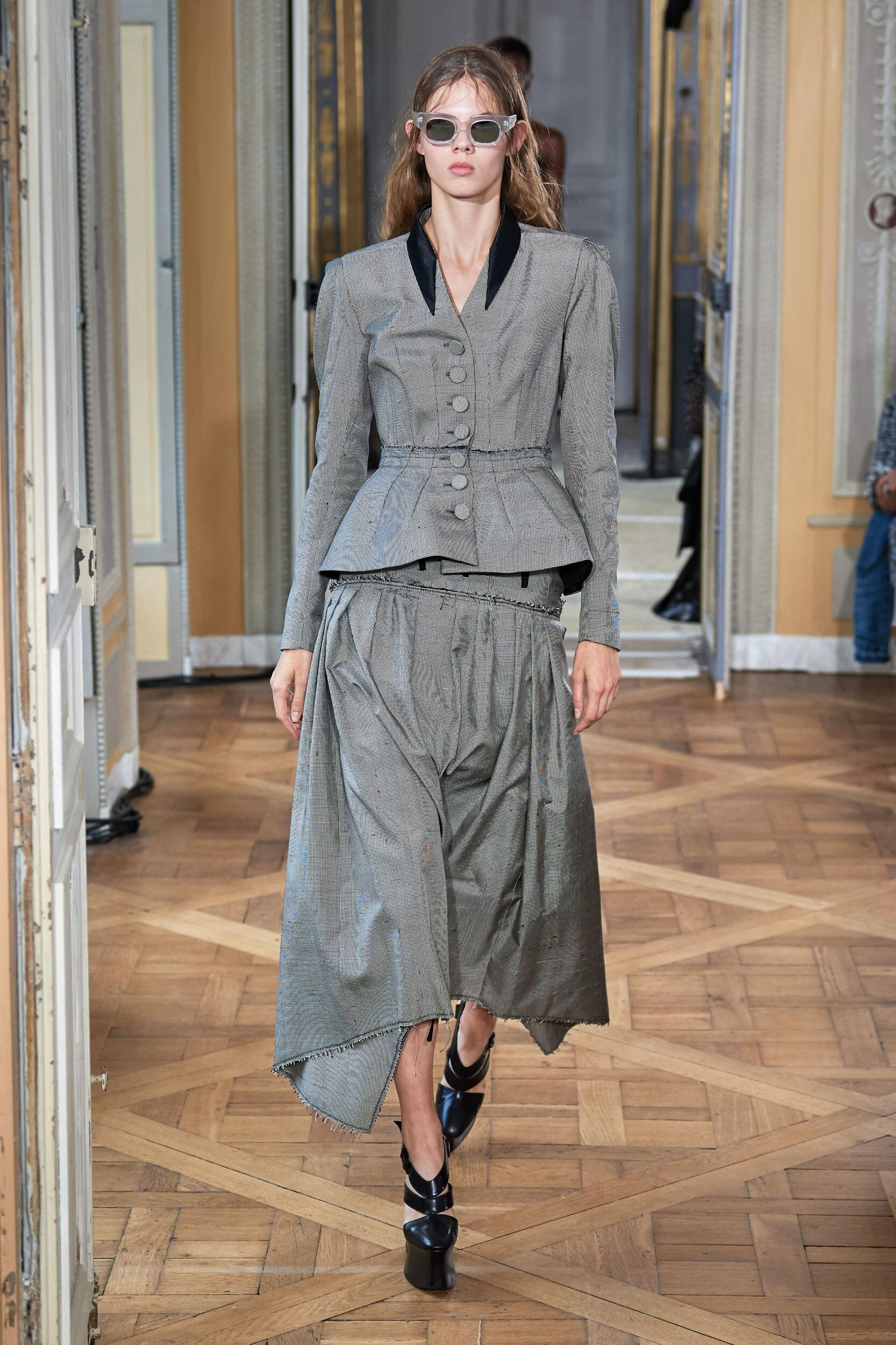Olivier Theyskens Fashion Show