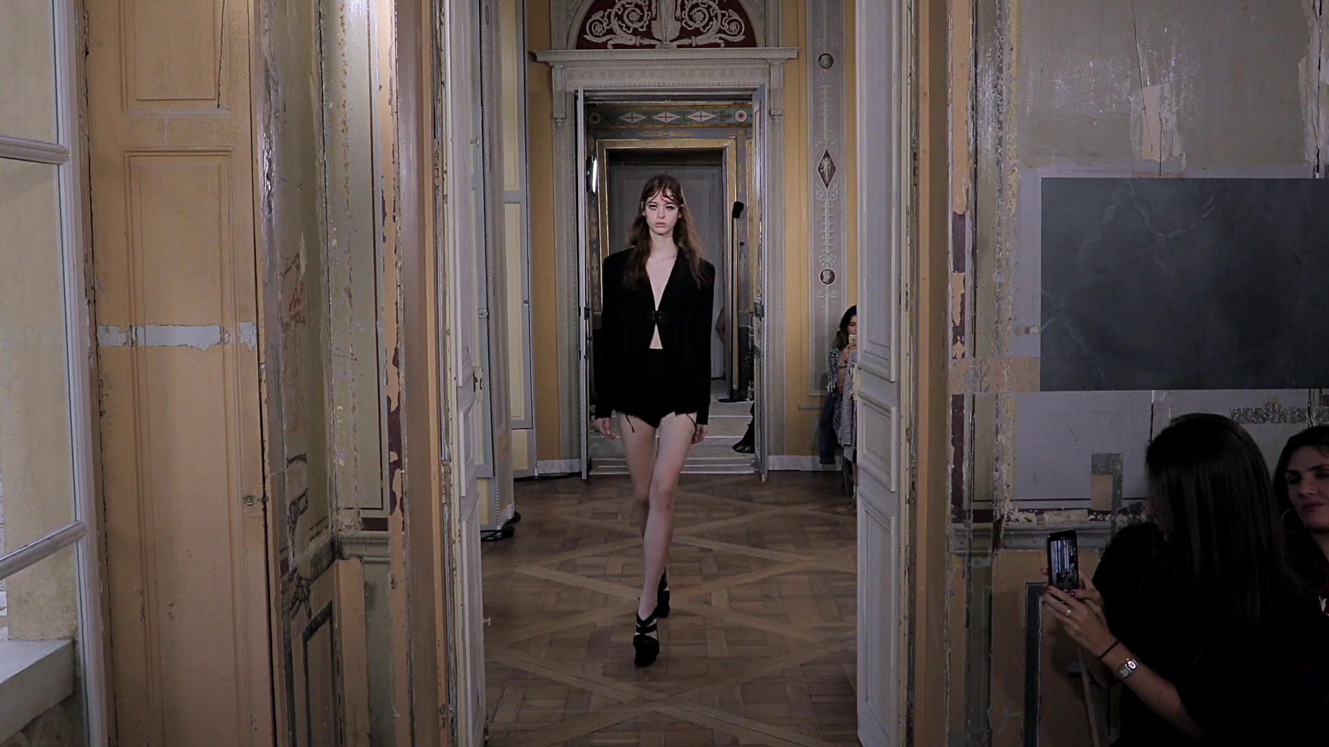 Olivier Theyskens Spring Summer 2020 Women's Fashion Show - Paris Fashion Week