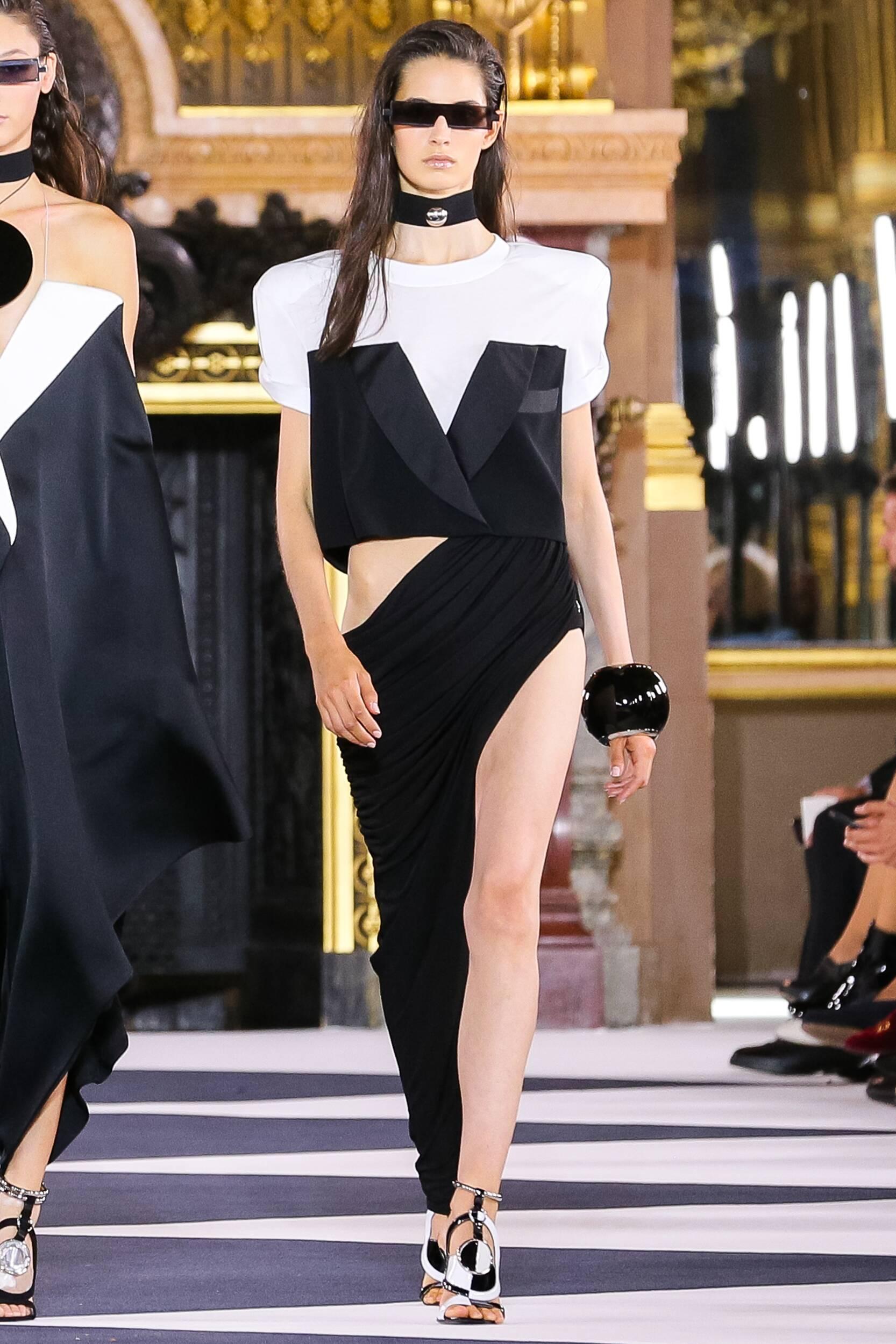 Paris Fashion 2020 Runway Woman Balmain Summer