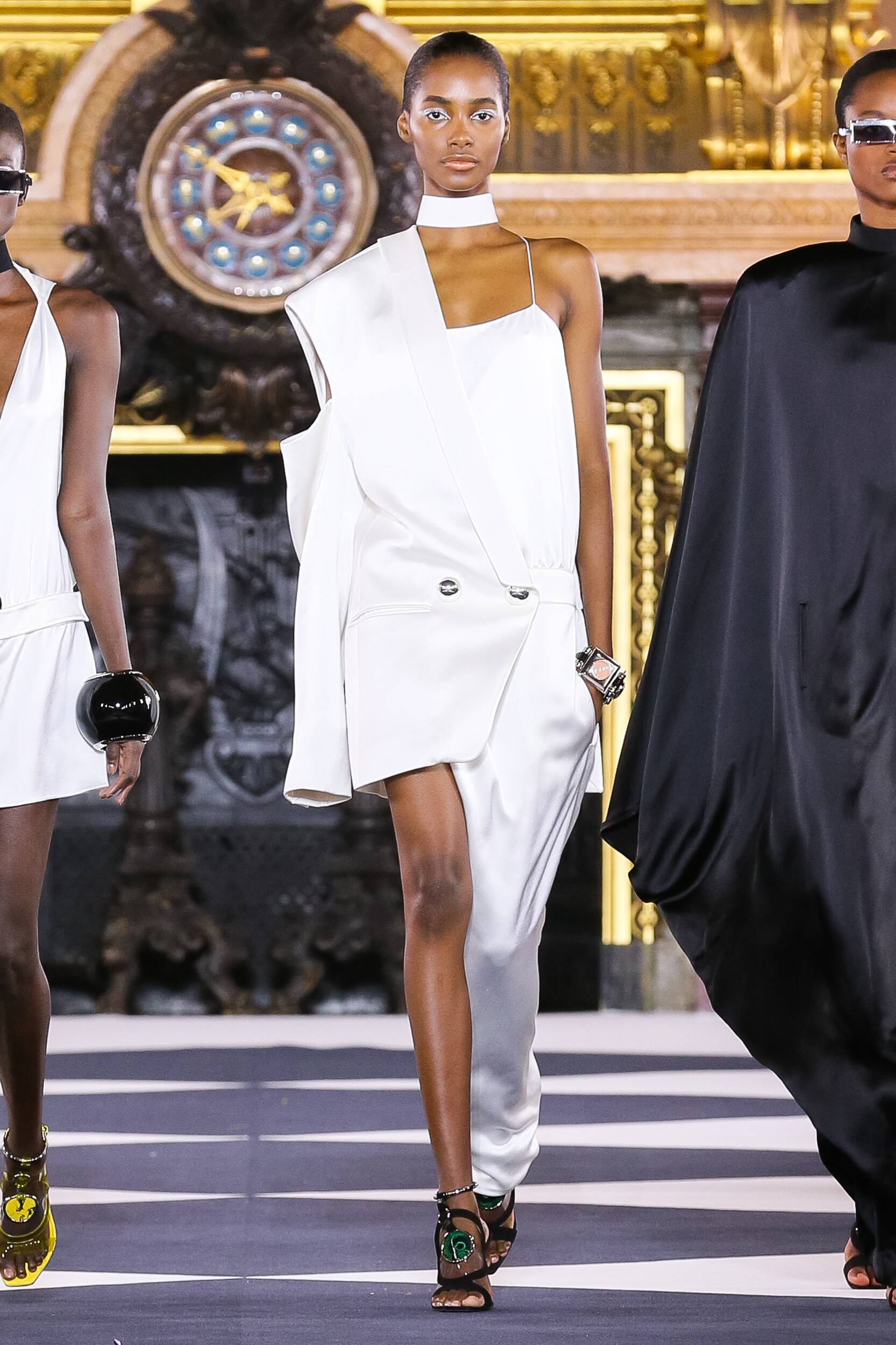 Paris Model Fashion Show Balmain
