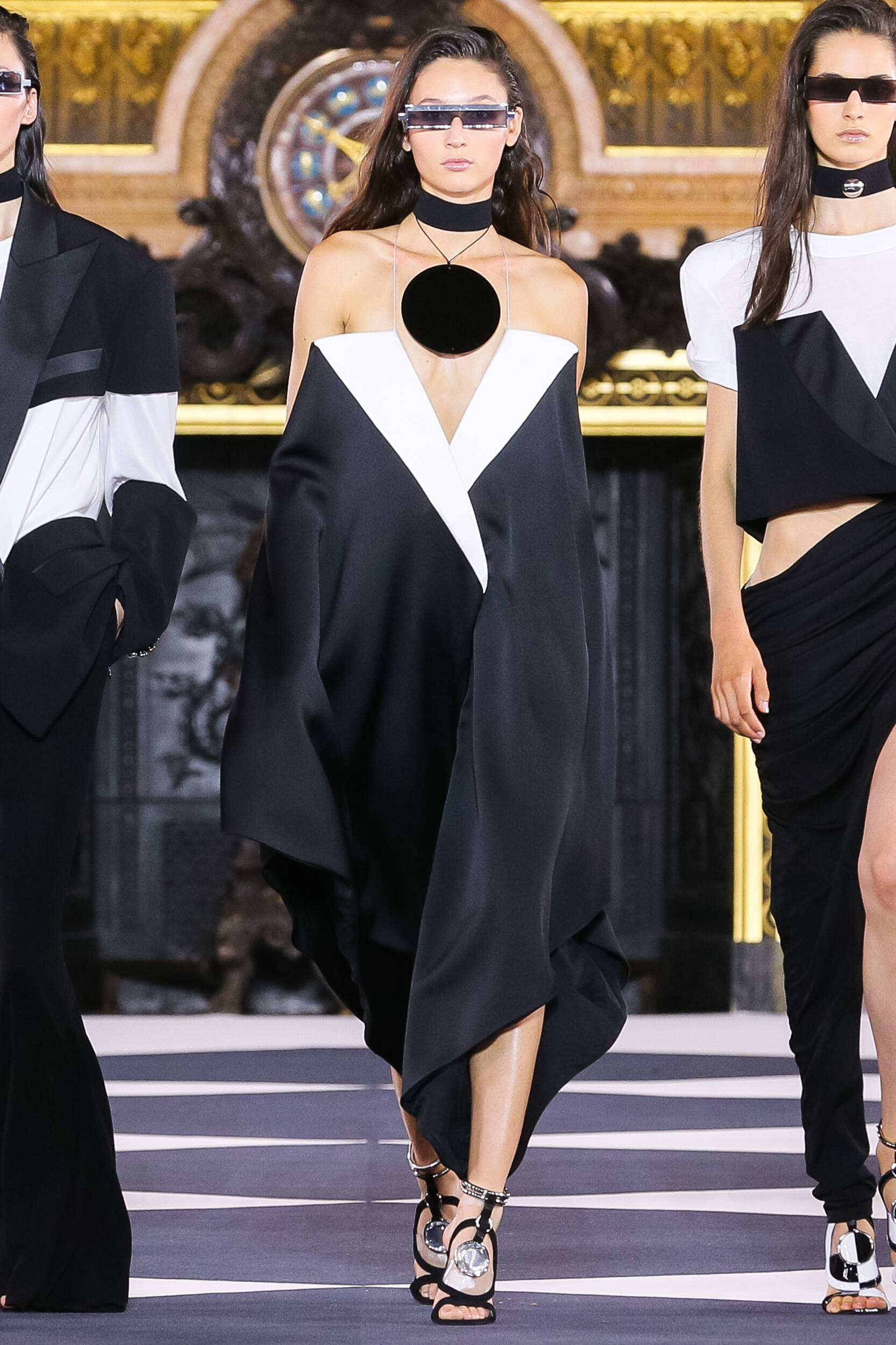 Paris Trends Womenswear Fashion 2020 Catwalk Balmain