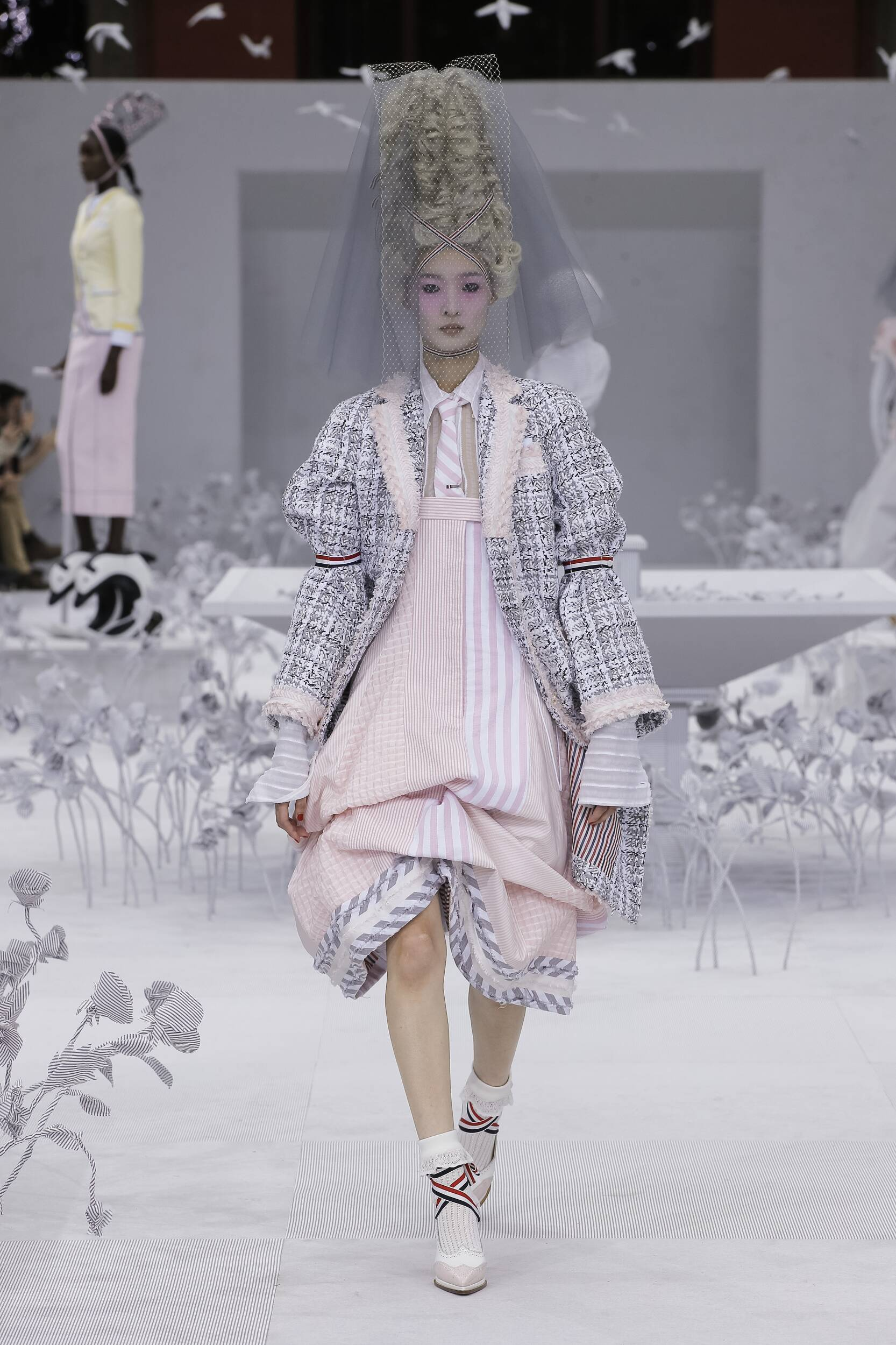 Runway Thom Browne Spring Summer 2020 Women's Collection Paris Fashion Week