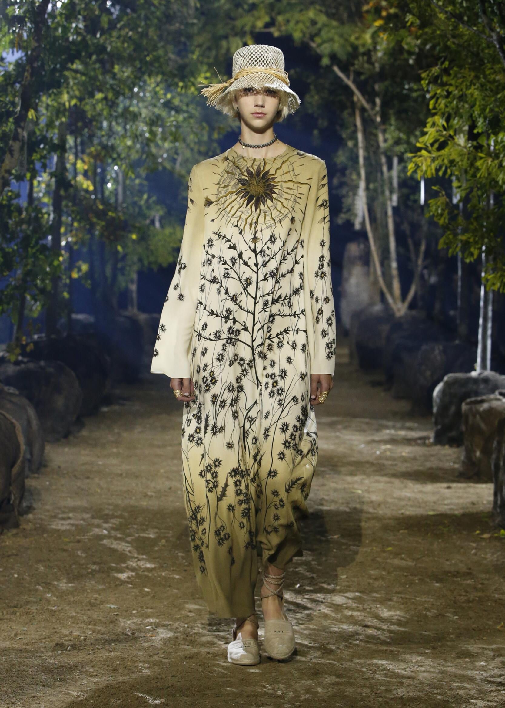 Runway Womenswear SS Dior 2020