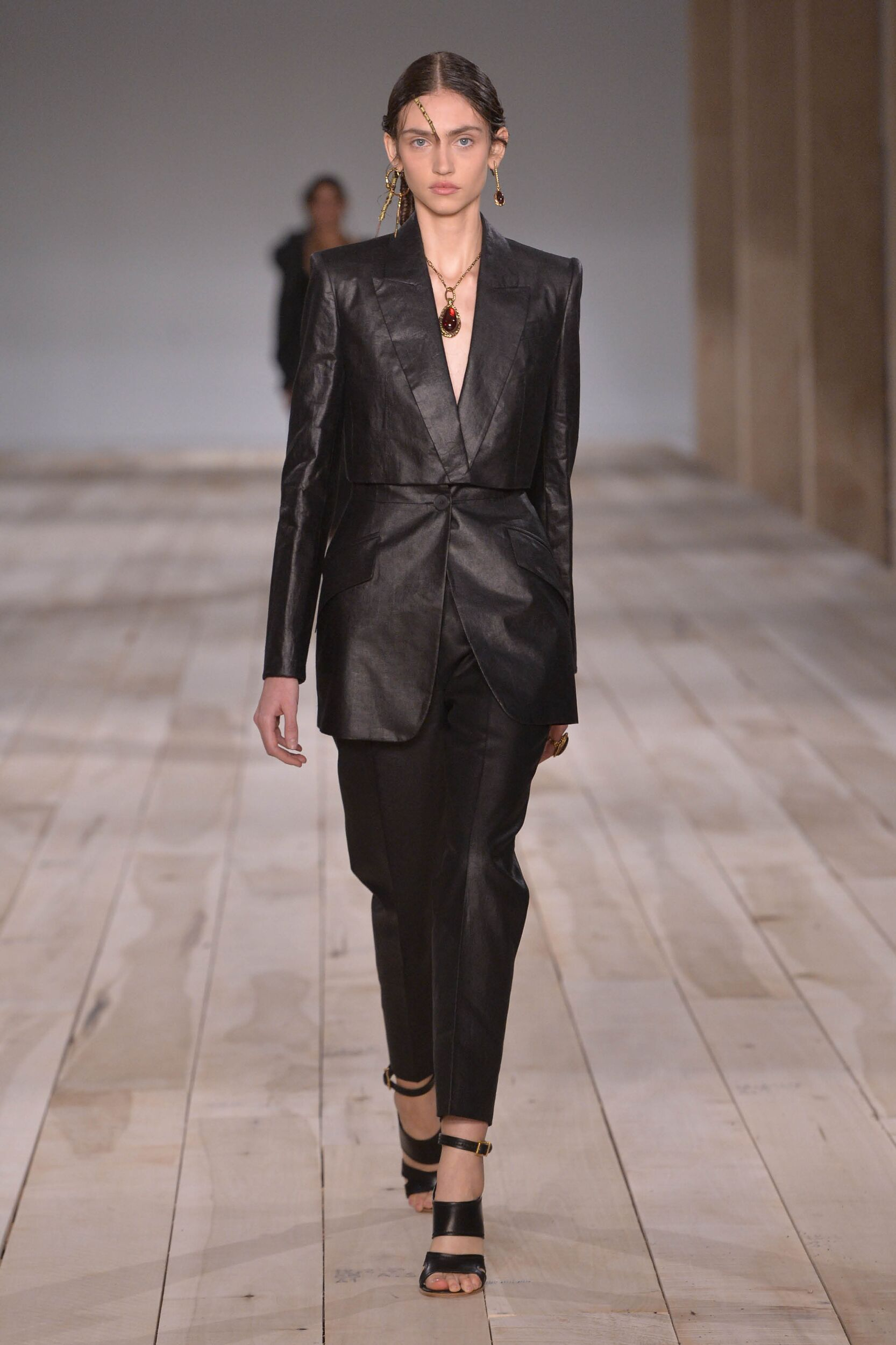 SS 2020 Alexander McQueen Fashion Show