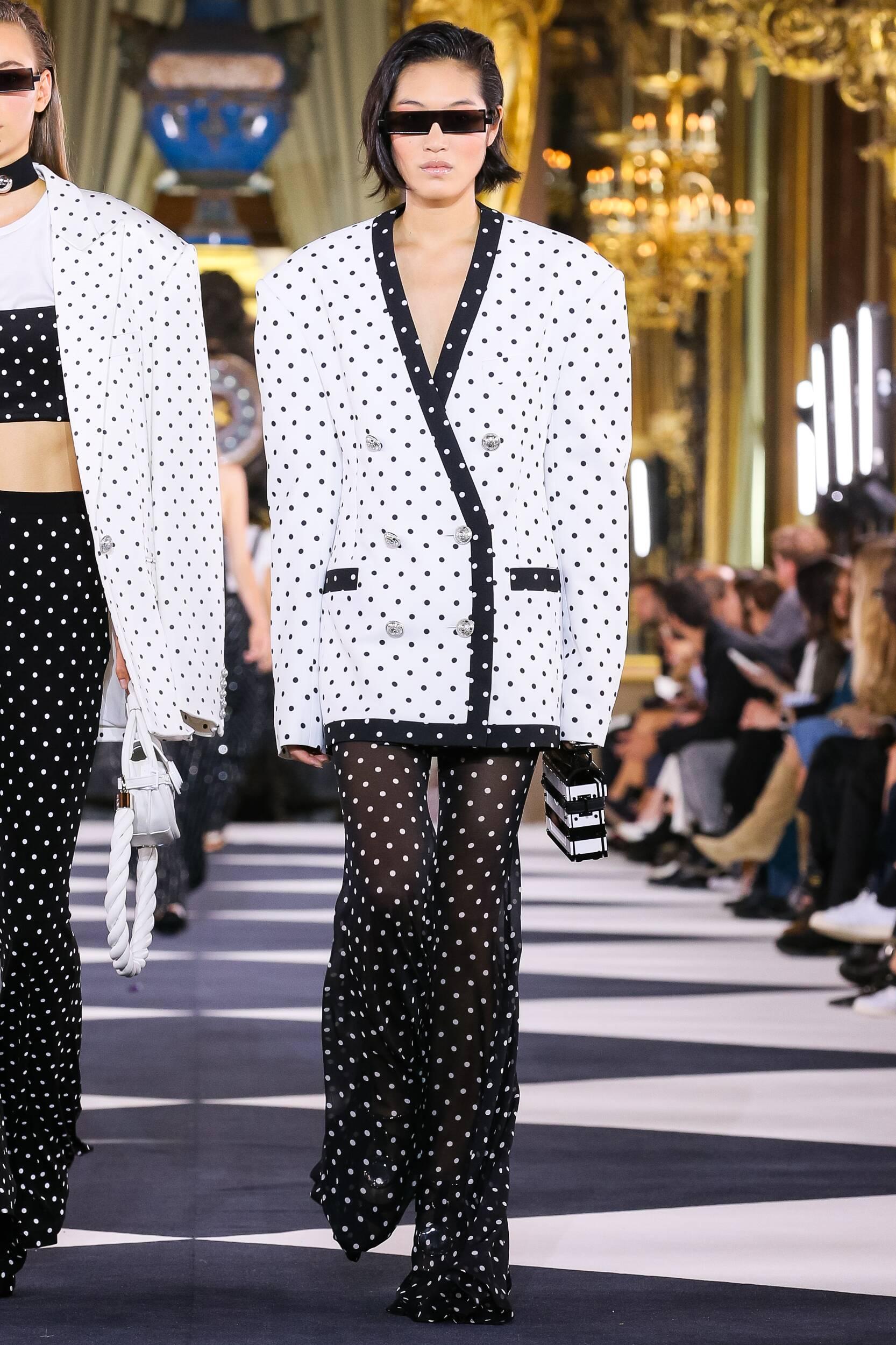 Trends Womenswear Fashion 2020 Catwalk Balmain