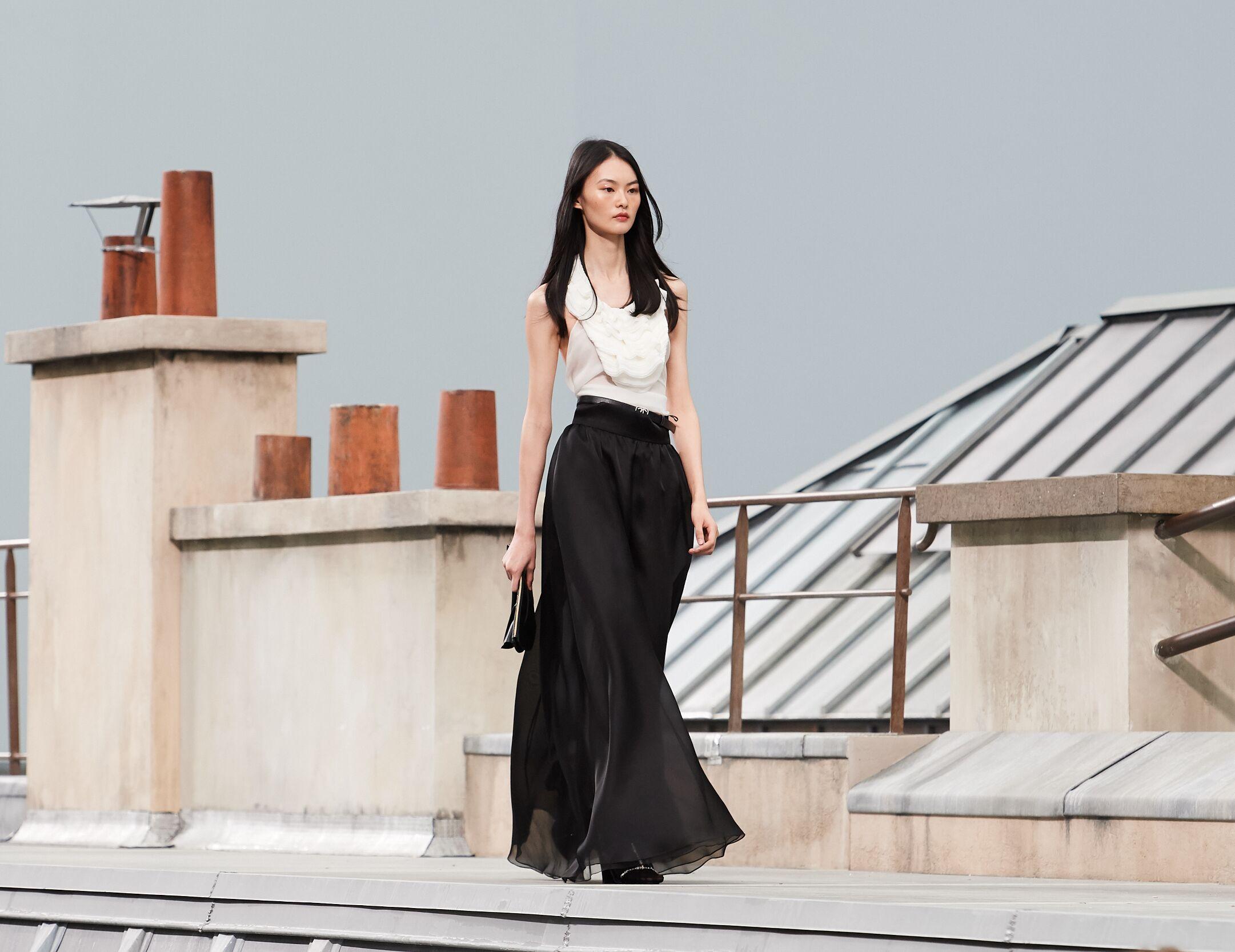Woman SS 2020 Chanel Show Paris Fashion