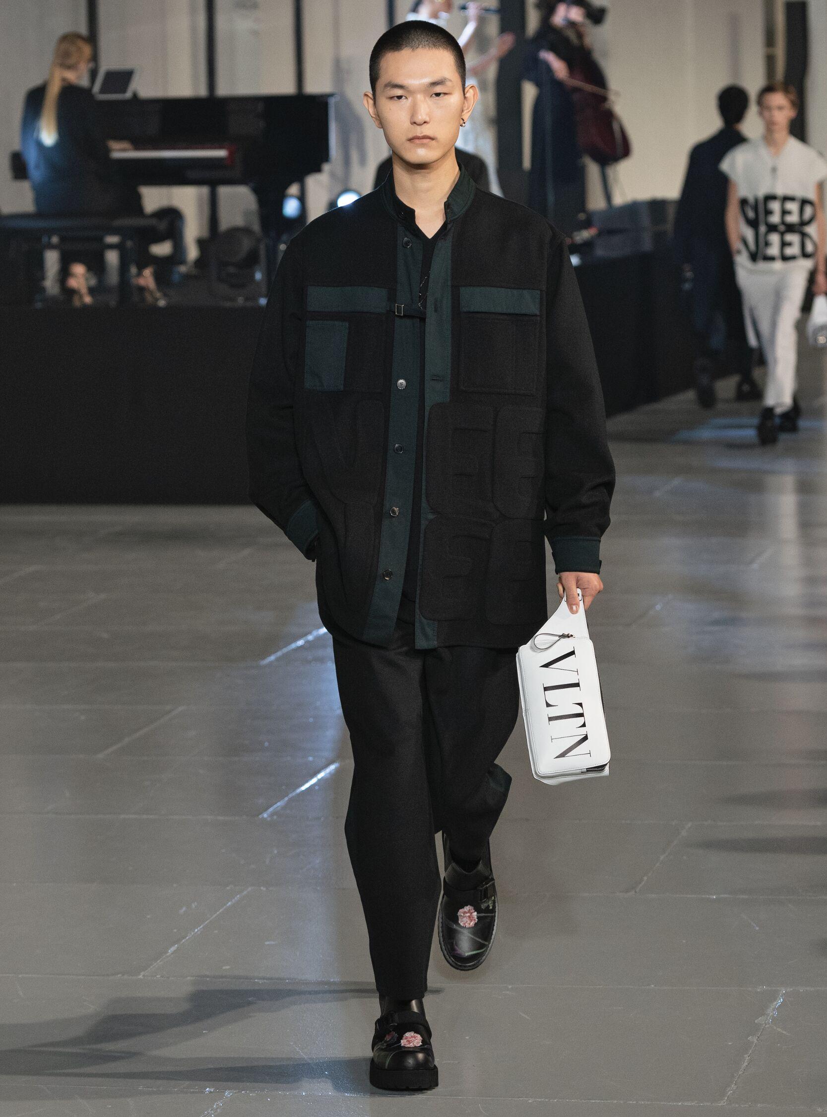 2020 Catwalk Valentino Man Fashion Show Winter