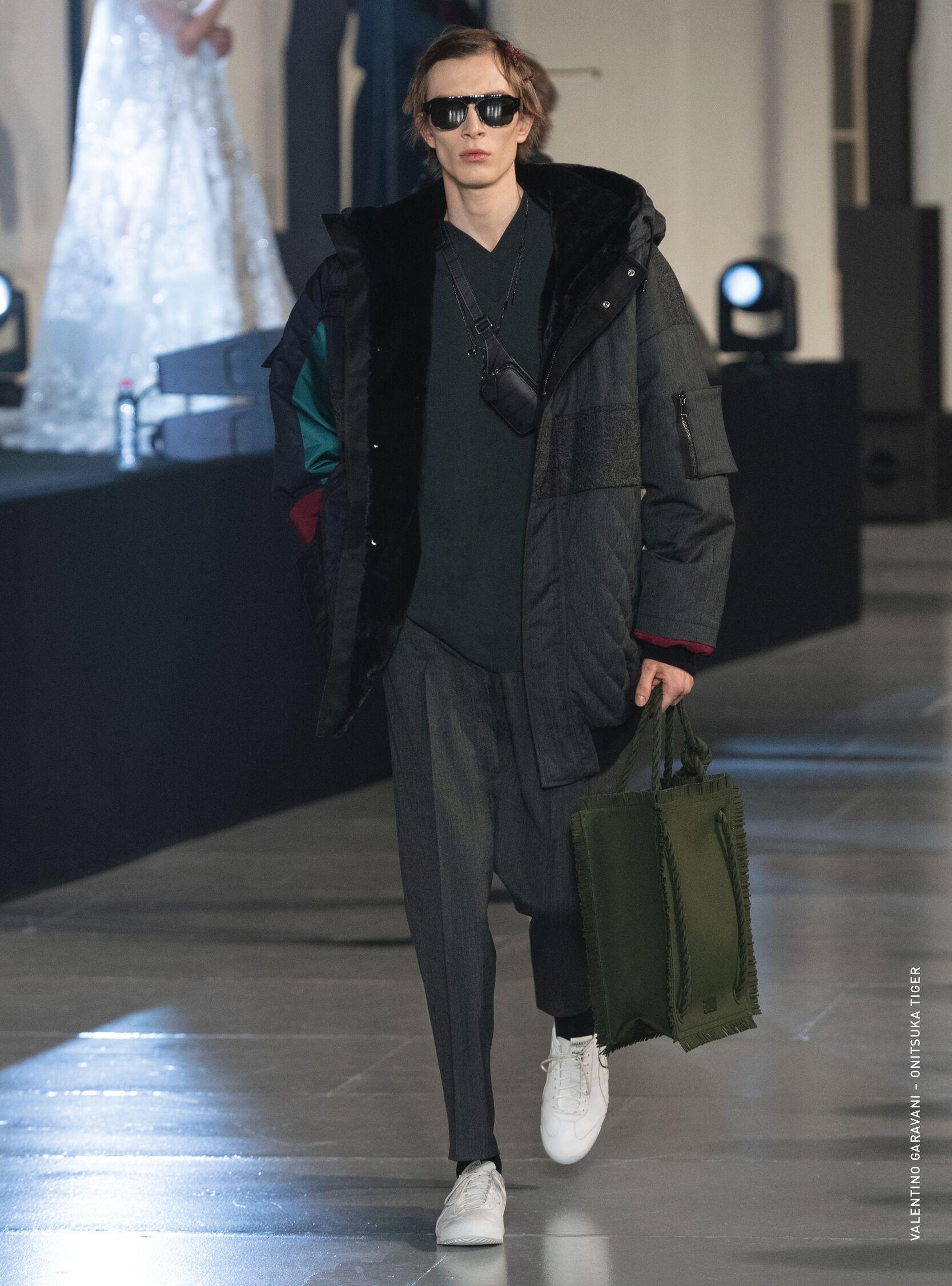 Catwalk Valentino Man Fashion Show Winter 2020