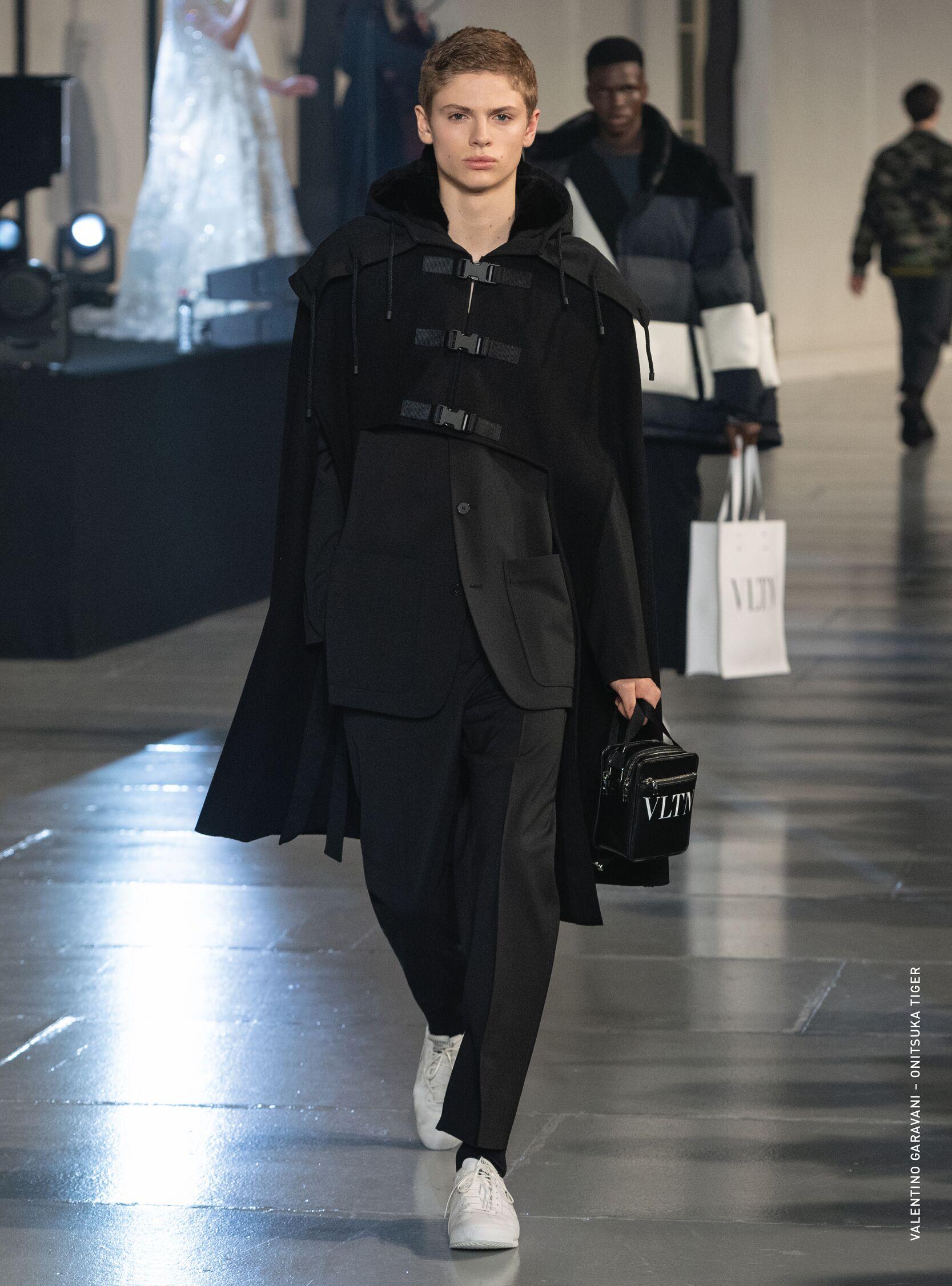 Catwalk Valentino Men Fashion Show Winter 2020