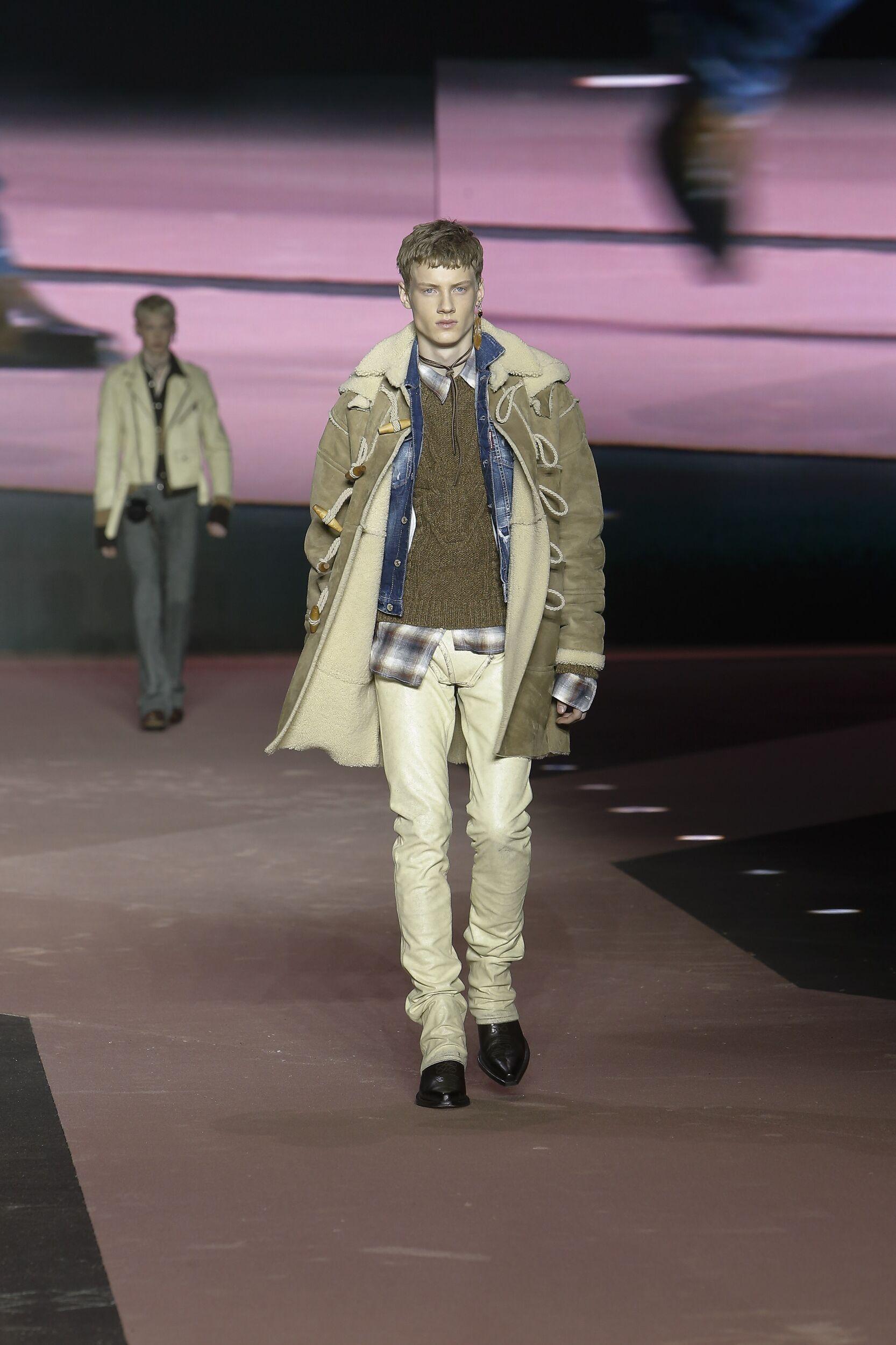 Model Fashion Show Dsquared2