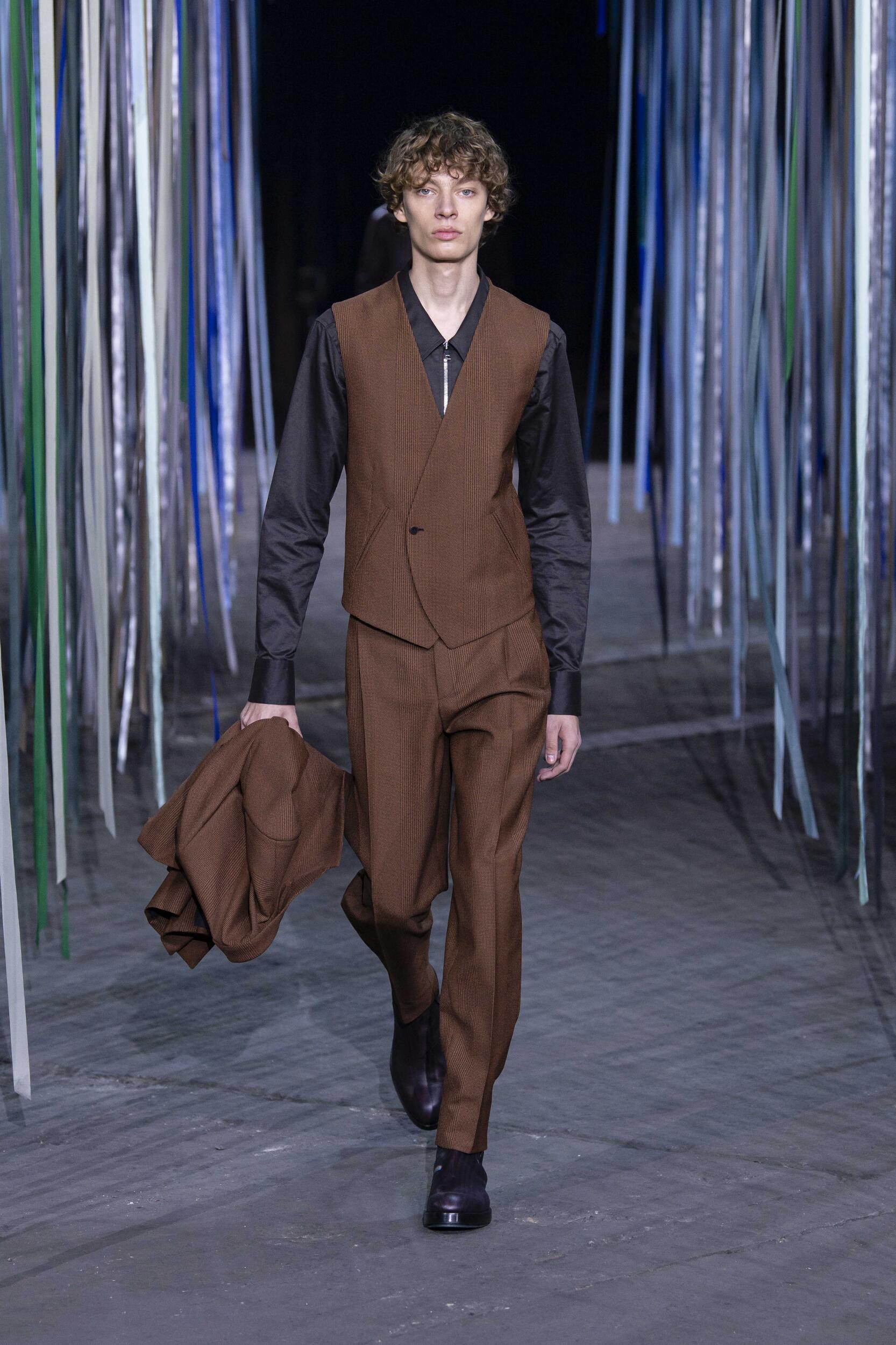 Model Fashion Show Ermenegildo Zegna XXX