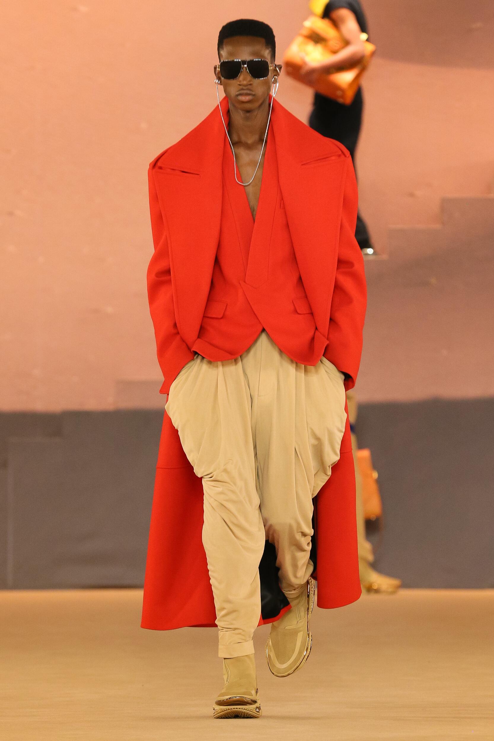 2020 Catwalk Balmain Man Fashion Show Winter