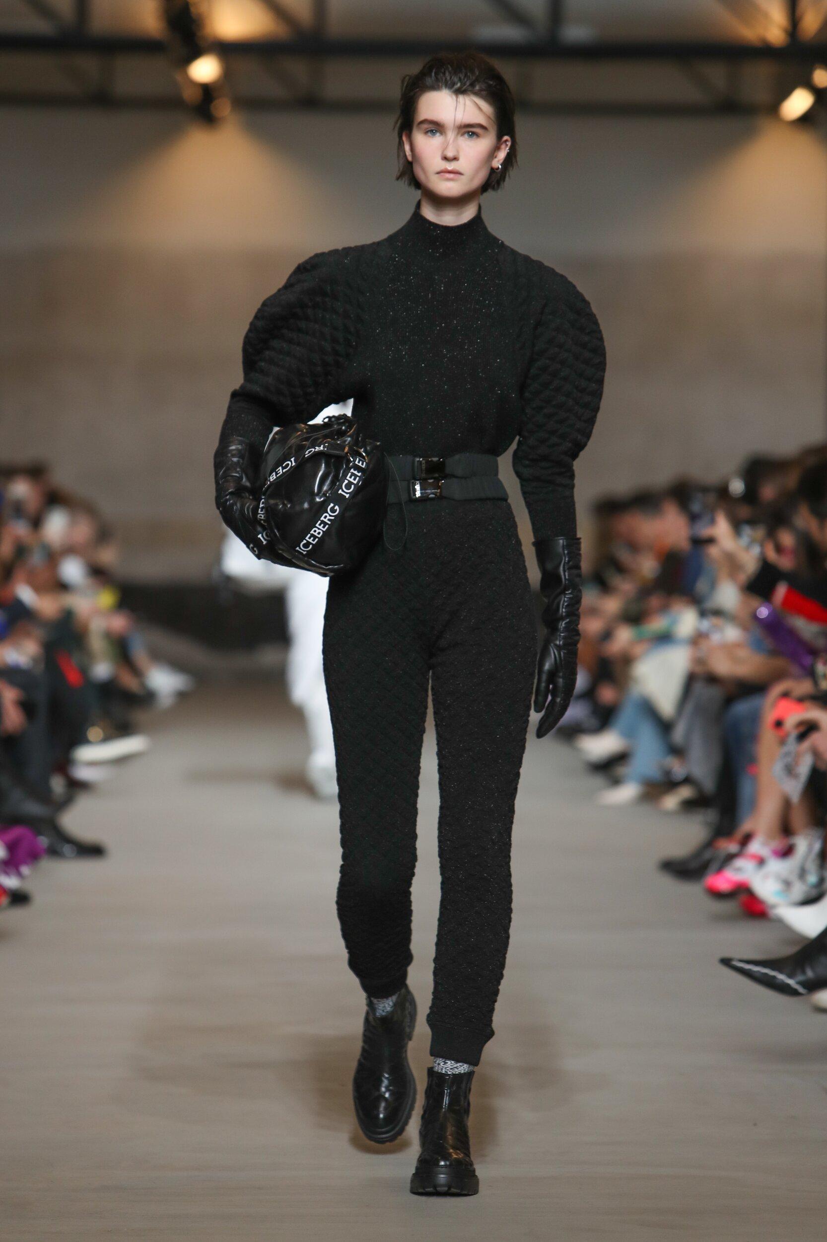 2020 Catwalk Iceberg Woman Fashion Show Winter