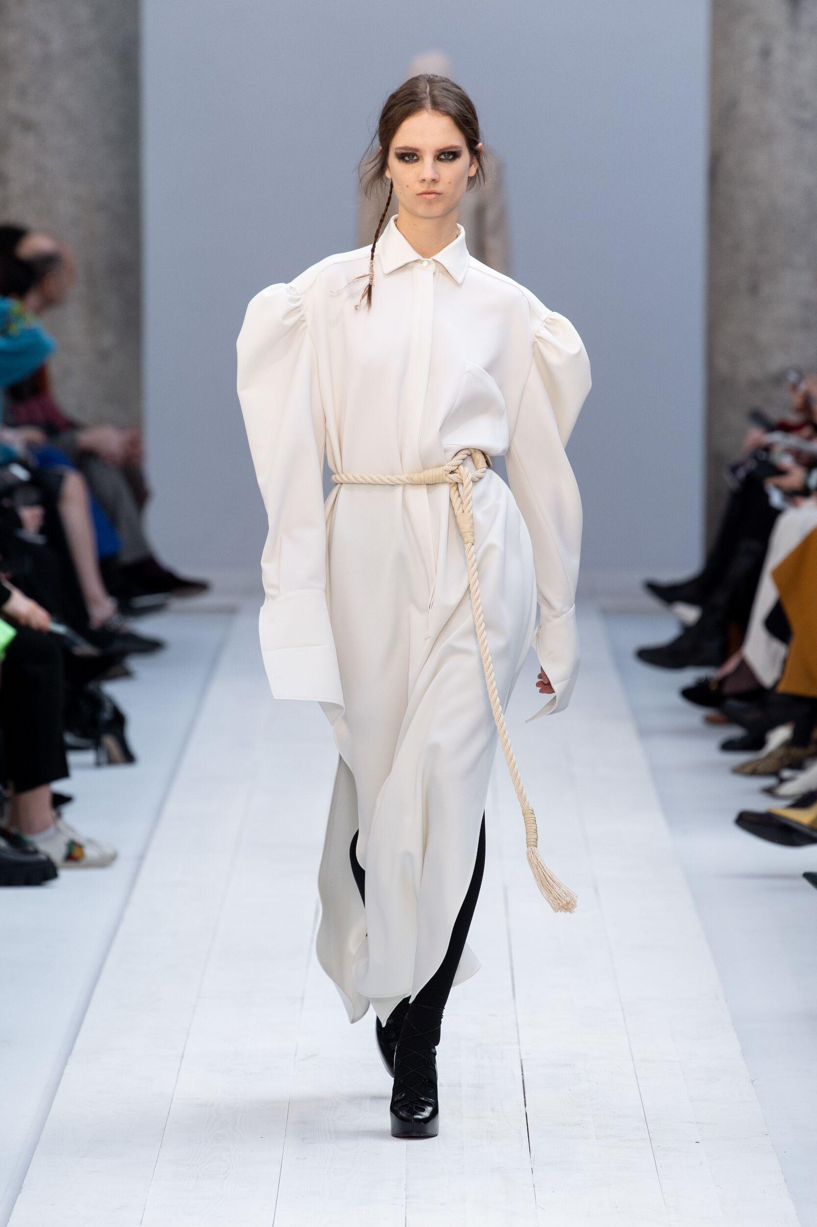2020 Catwalk Max Mara Woman Fashion Show Winter