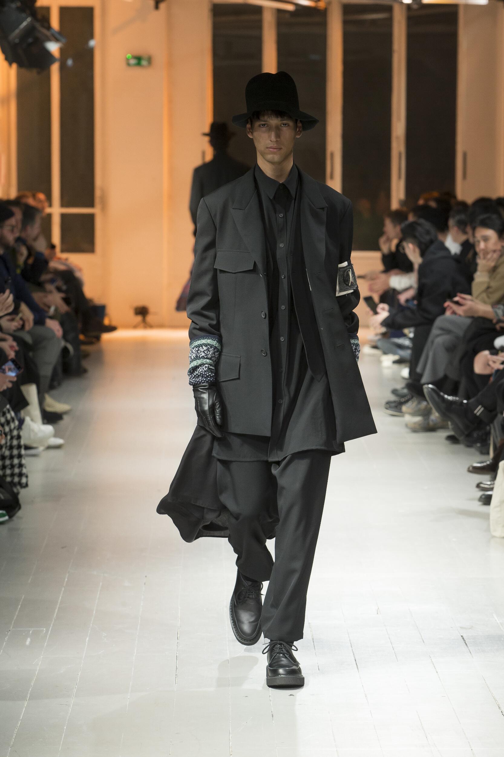 2020 Catwalk Yohji Yamamoto Man Fashion Show Winter